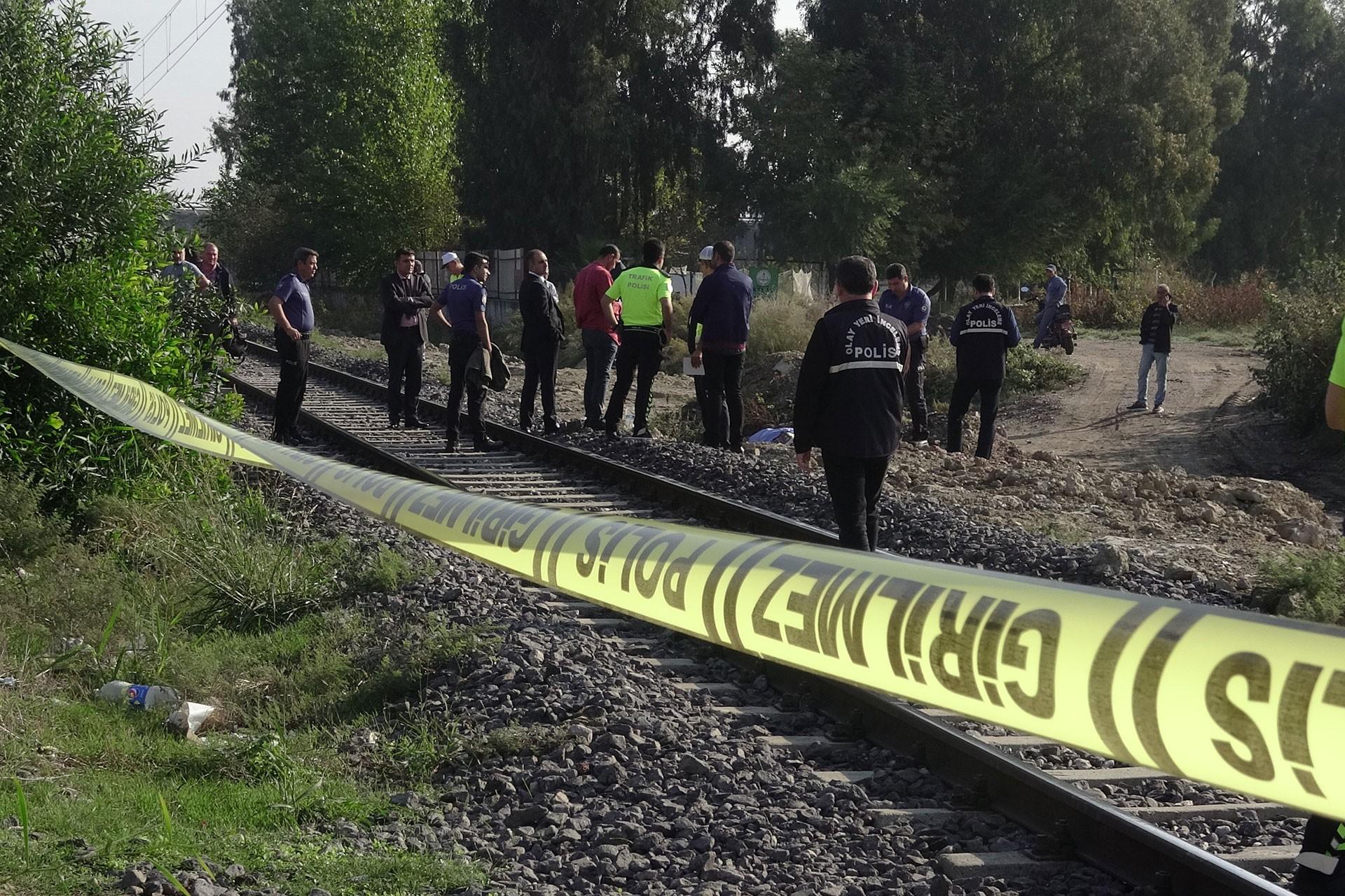 Adana'da trenin çarptığı Futbolcu Sedat Damar yaşamını yitirdi