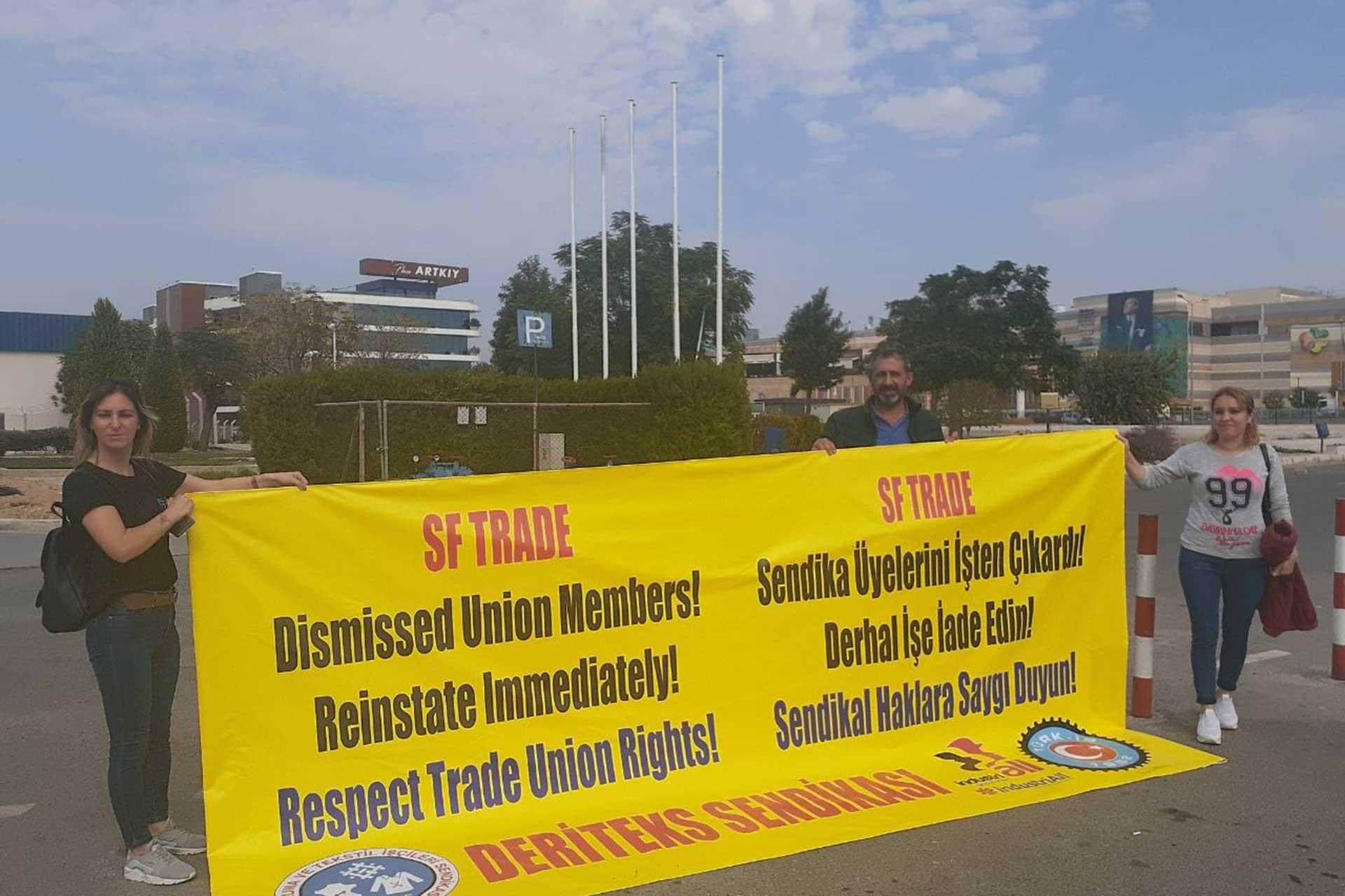 Sendikalaştıkları için işten çıkarılan işçiler Gaziemir'de direnişe başladı