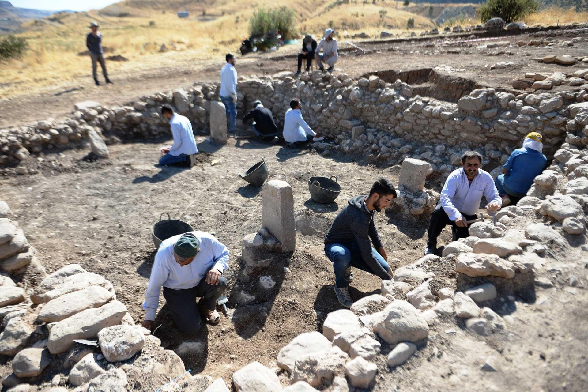 Mardin'de Göbeklitepe'ye benzeyen 11 bin yıllık tapınak bulundu