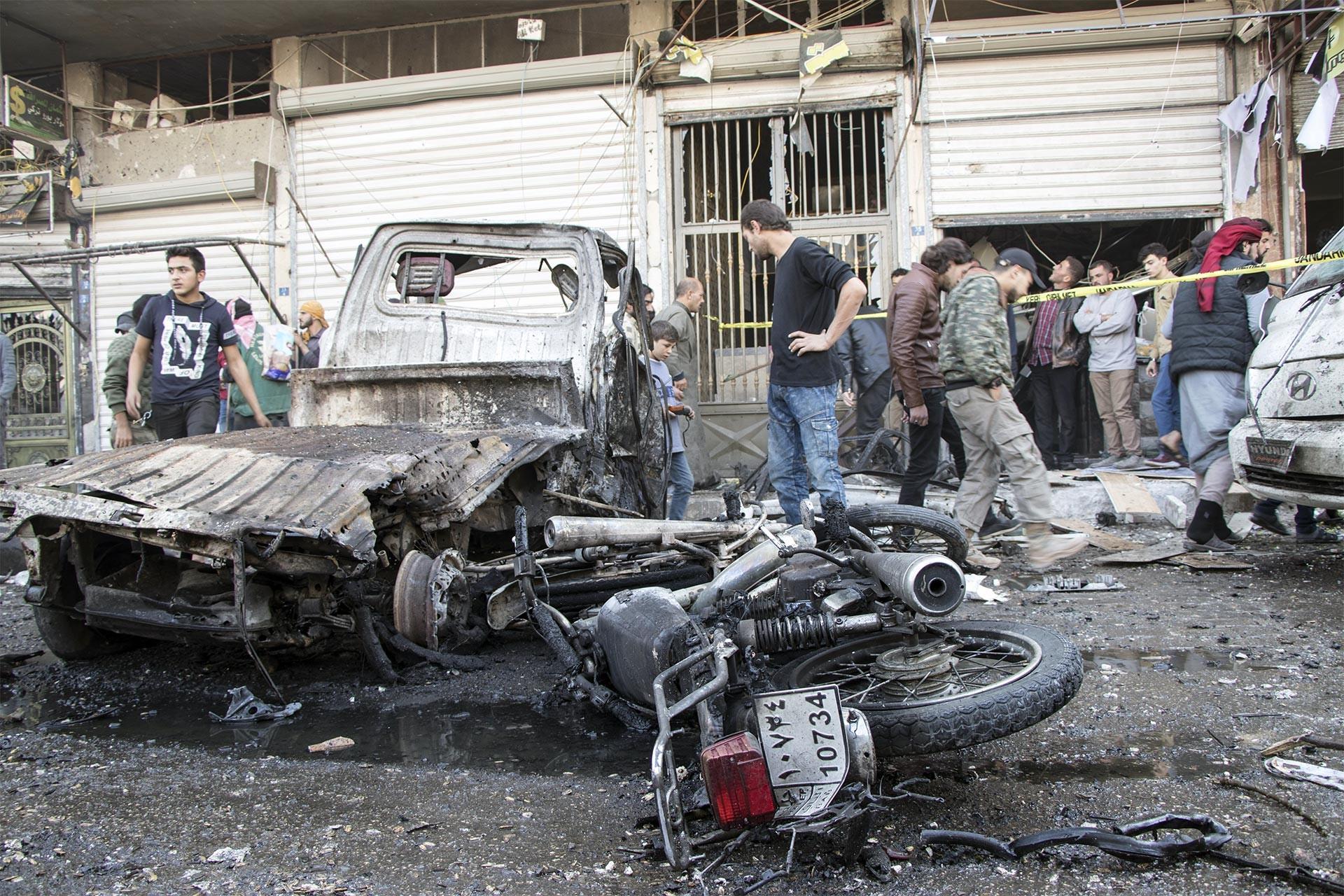 Bab'da yaşanan bombalı saldırı sonrası olay yeri