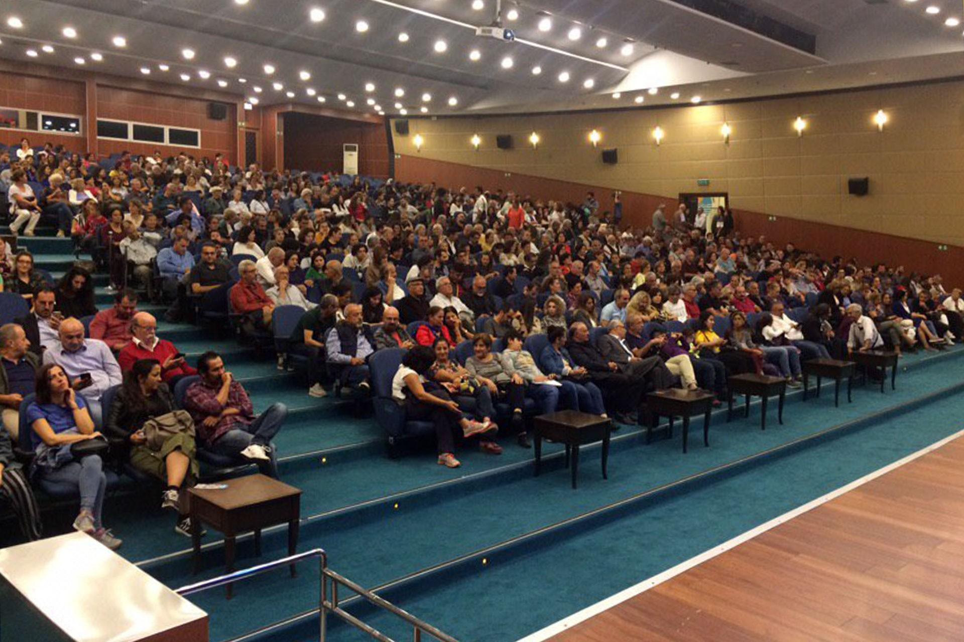mersin'de evrensel ile dayanışma etkinliği düzenlendi