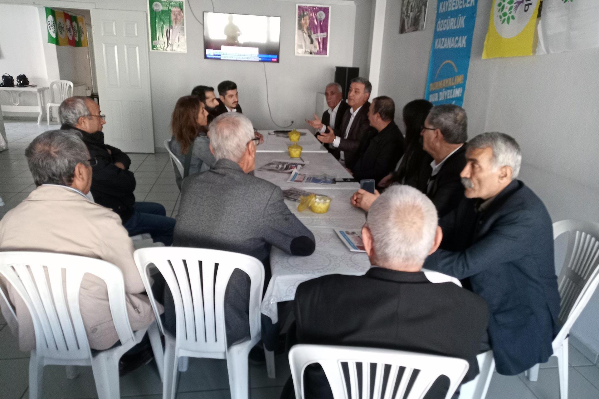 EMEP'in HDP'ye ziyaretinden bir kare