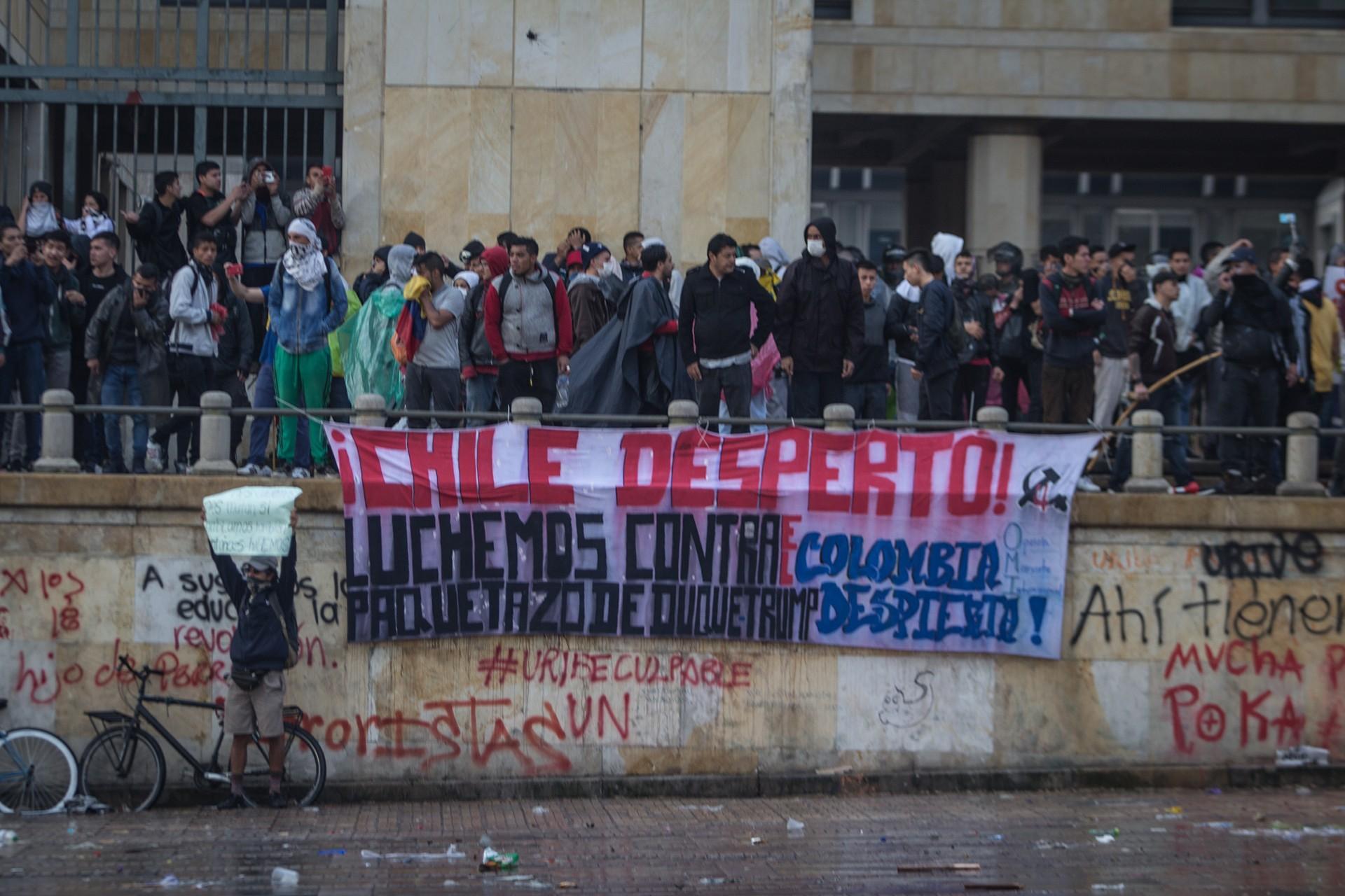 Kolombiya'da gösteriler düzenleniyor