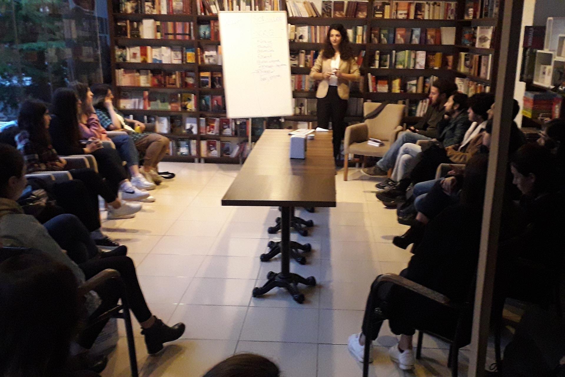 Bursa Üniversitesinden genç kadınlar 25 Kasım etkinliğinde