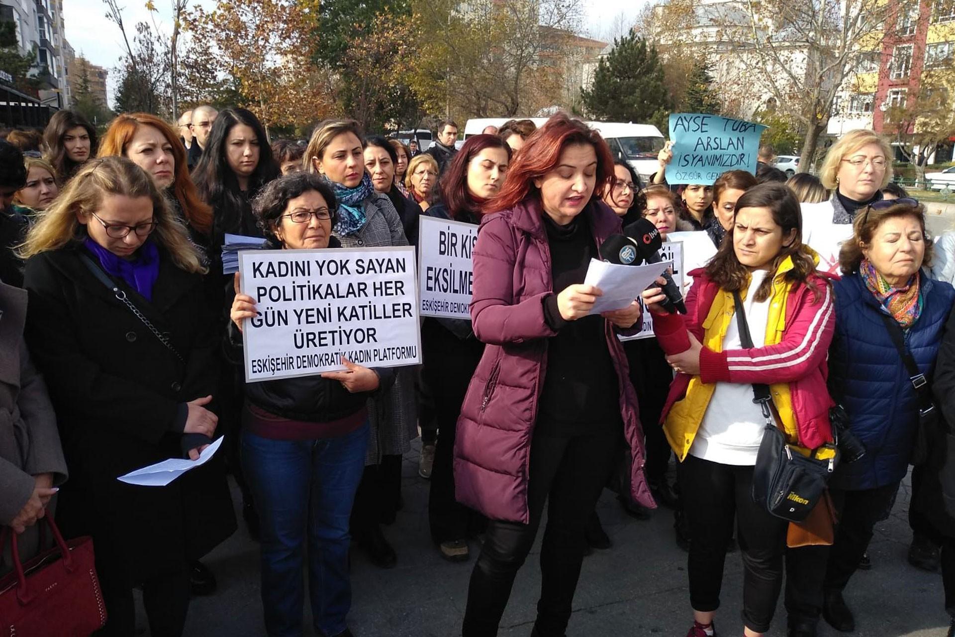 Ayşe Tuğba Arslan için düzenlenen basın açıklaması.