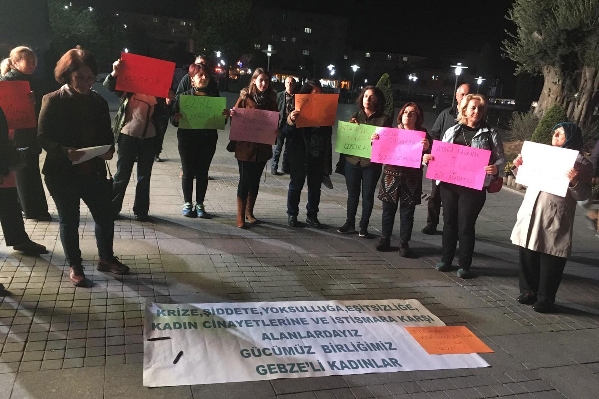 Gebze'de düzenlenen 25 Kasım eylemi