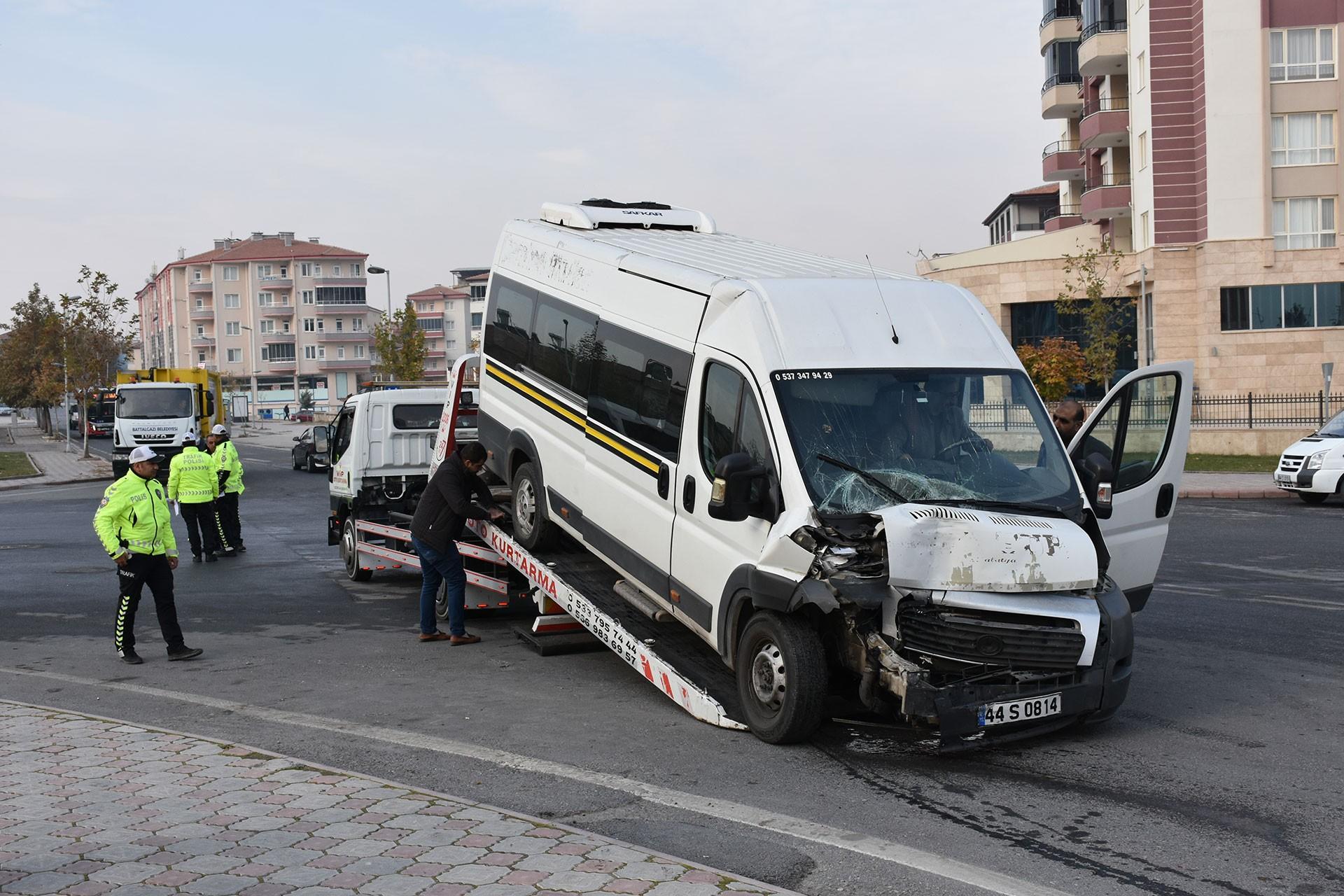 Malatya'da işçi servisi kazası