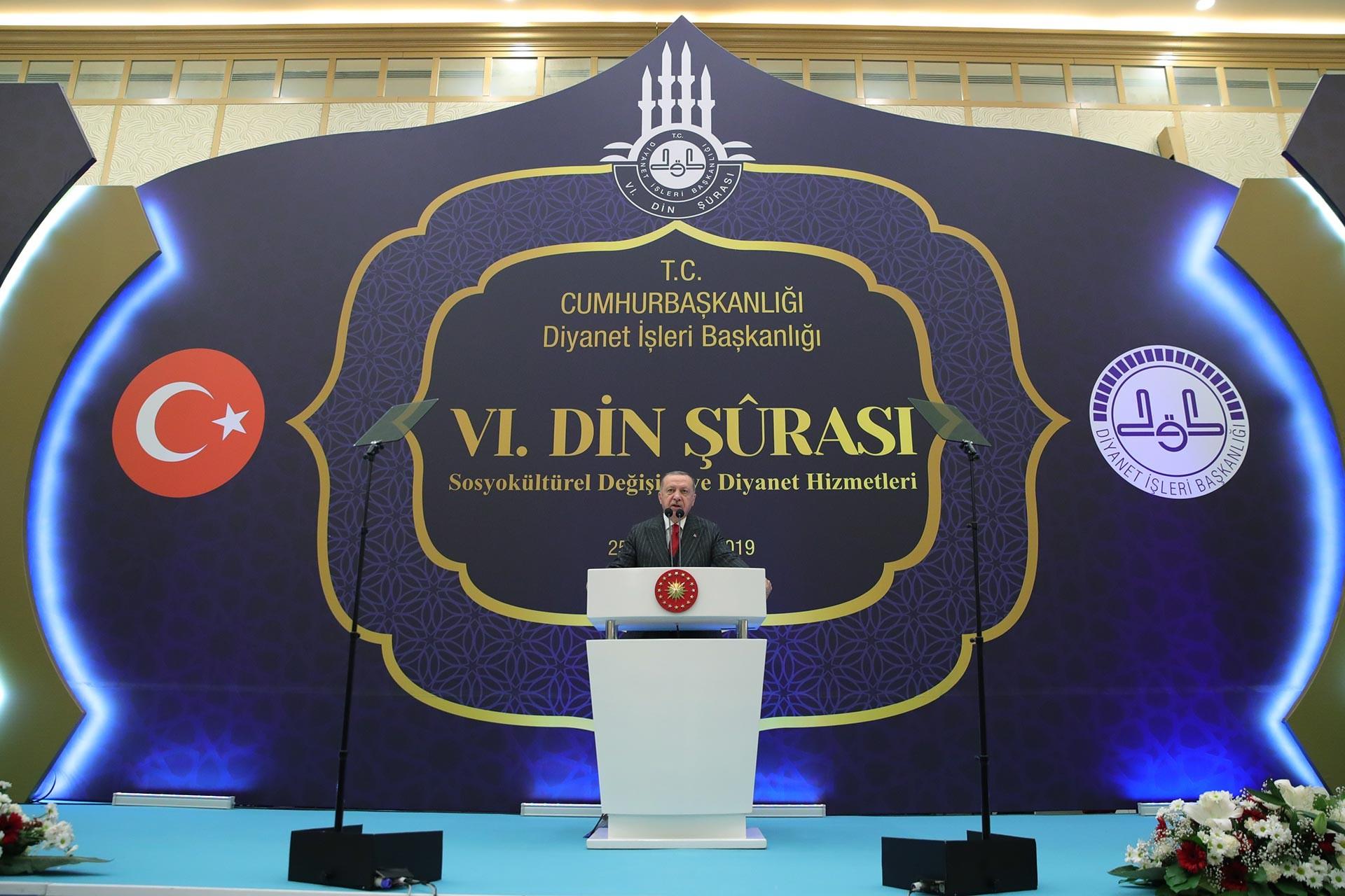 Cumhurbaşkanı Recep Tayyip Erdoğan, 6. Din Şurası Kapanış Programı'nda konuşurken