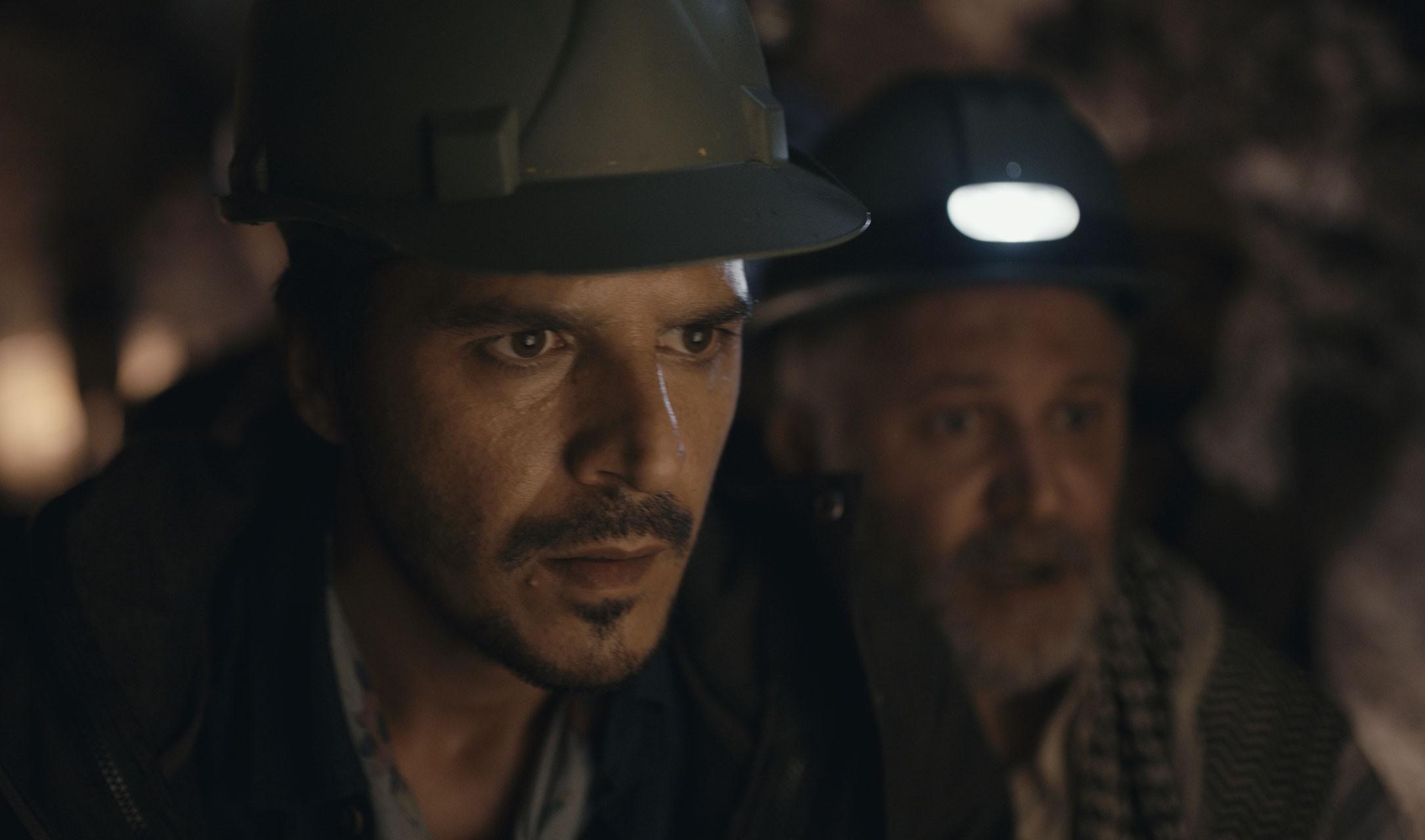 Atiye dizisinden Mehmet Günsür'ün yer aldığı bir kare.