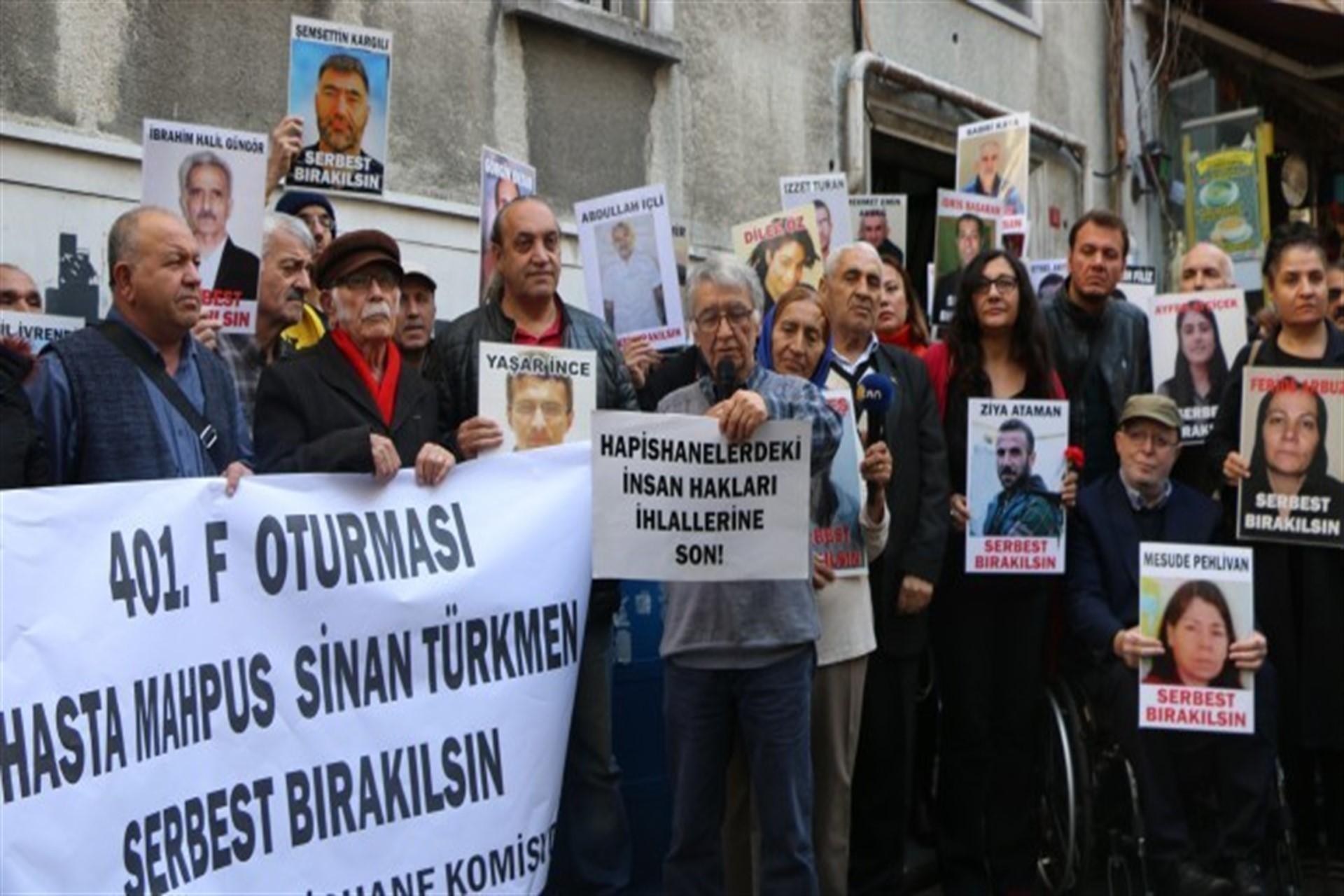 İHD İstanbul Şubesi önünde basın açıklaması yapılıyor