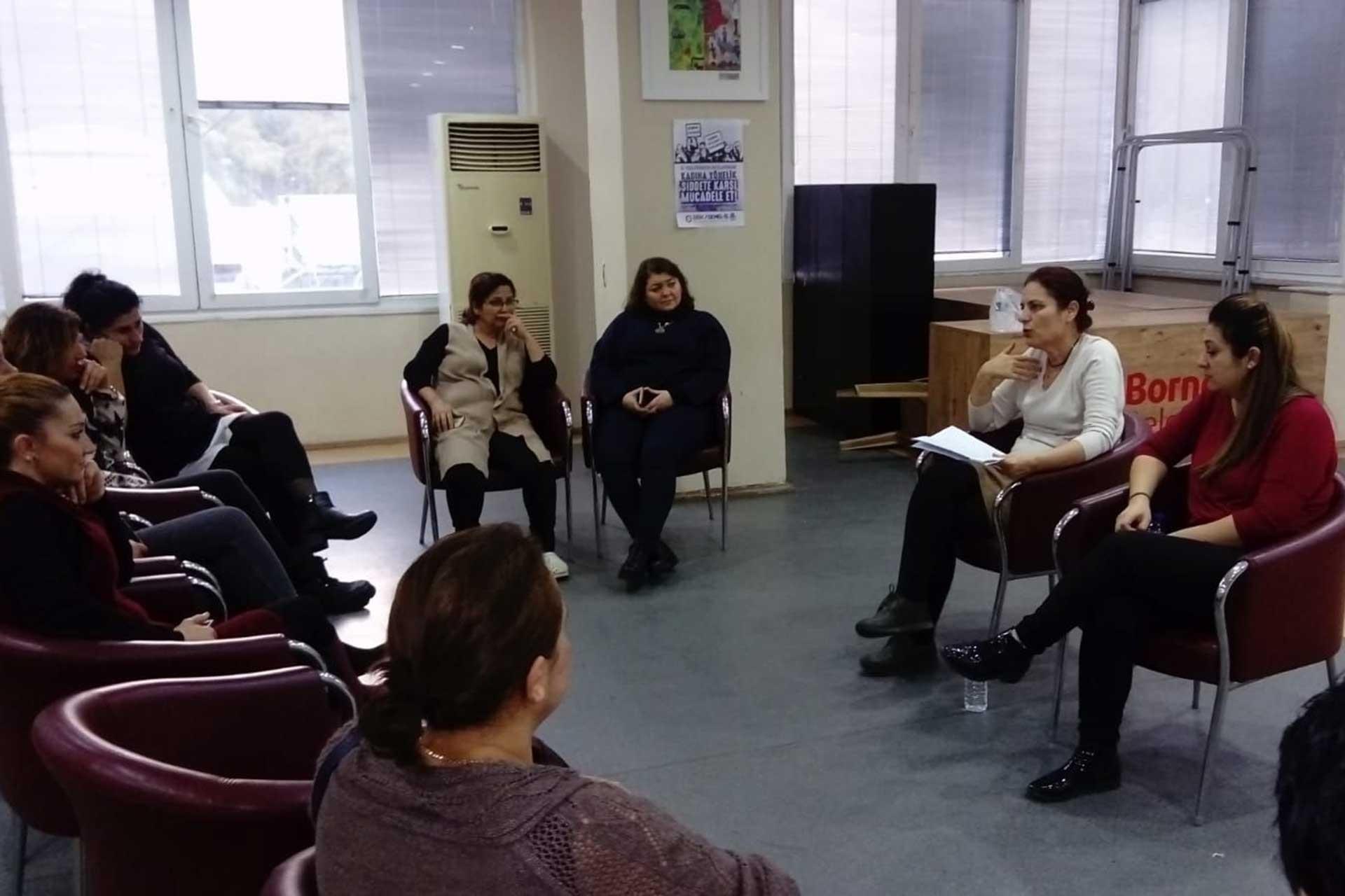 Genel İş üyesi kadınlar söyleşide bir araya geldi.