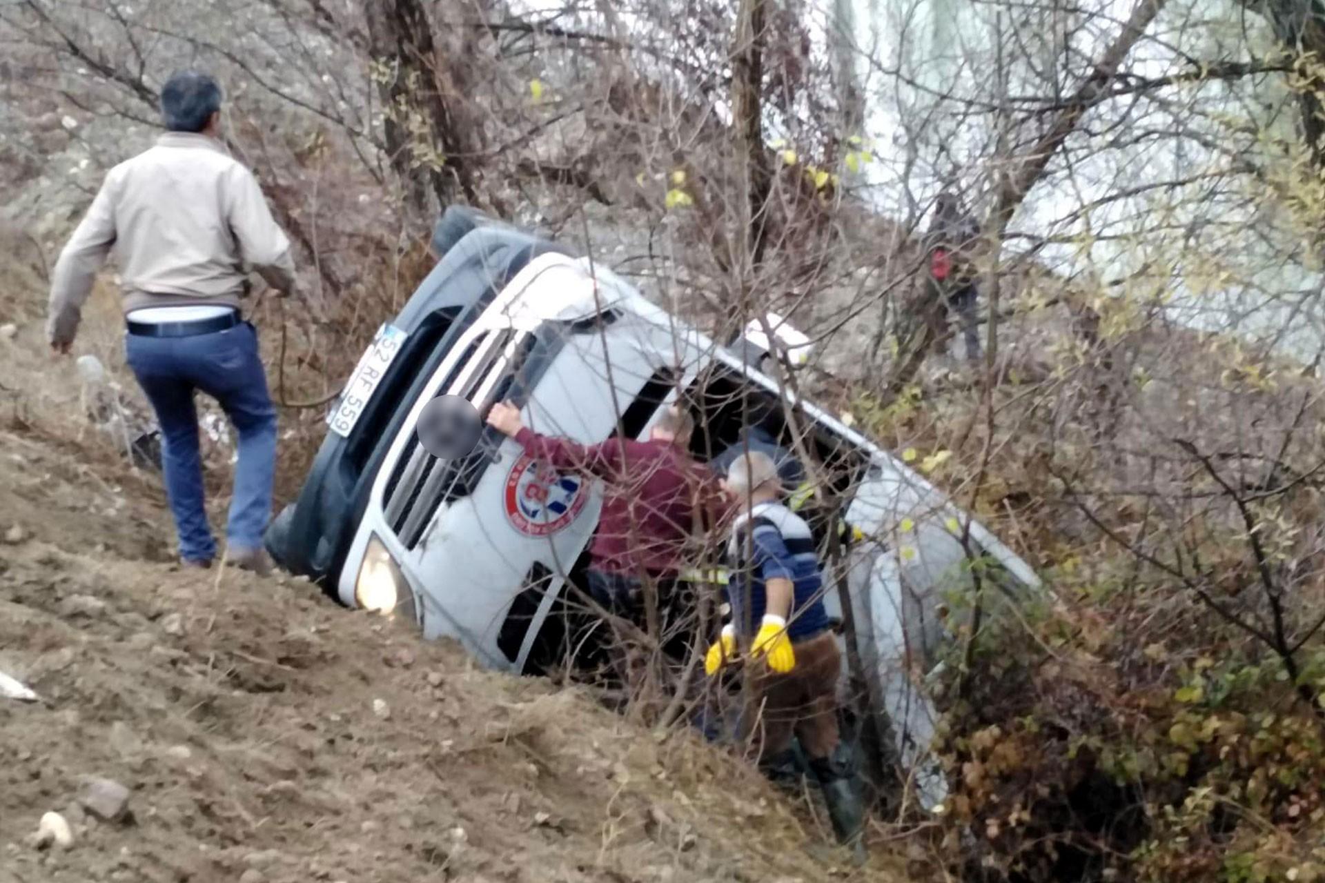 Ordu Gençlerbirliği Kadın Hentbol Takımı'nın aracı kaza yaptı