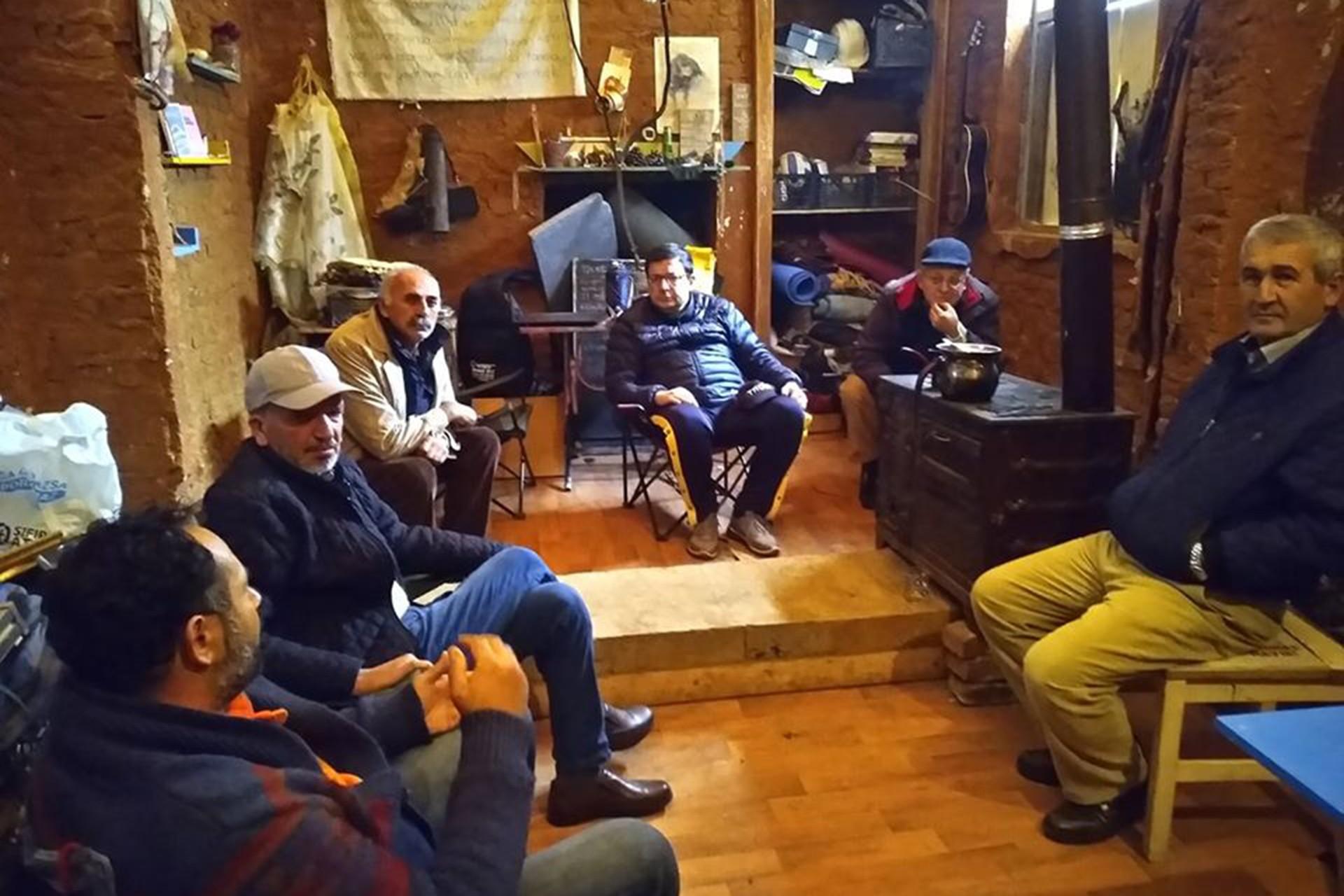 Yaşam savunucuları Muharrem Erkek ile Hamza Yıldız ile birlikte