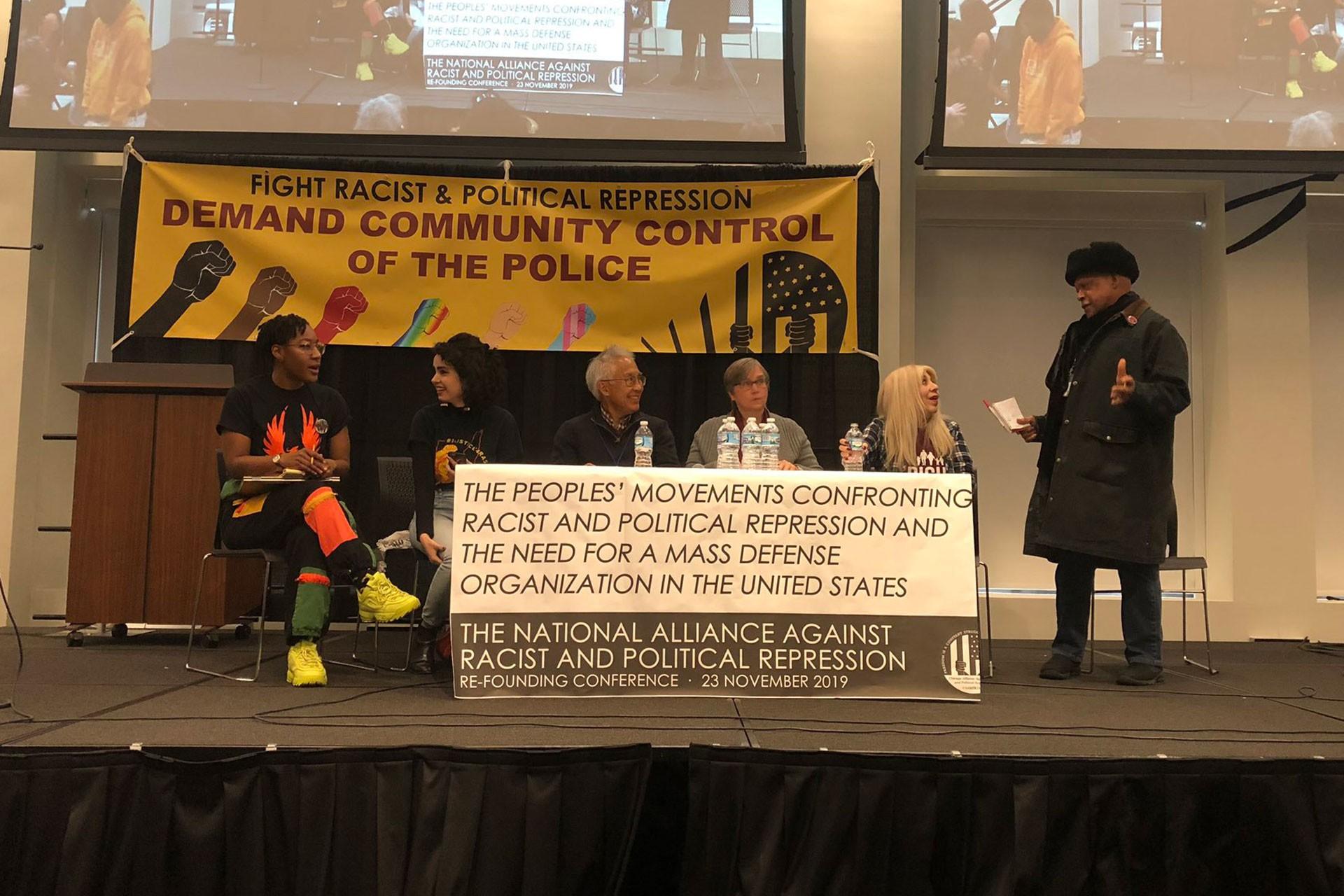 Şikago'da ırkçılığa karşı bir toplantı.