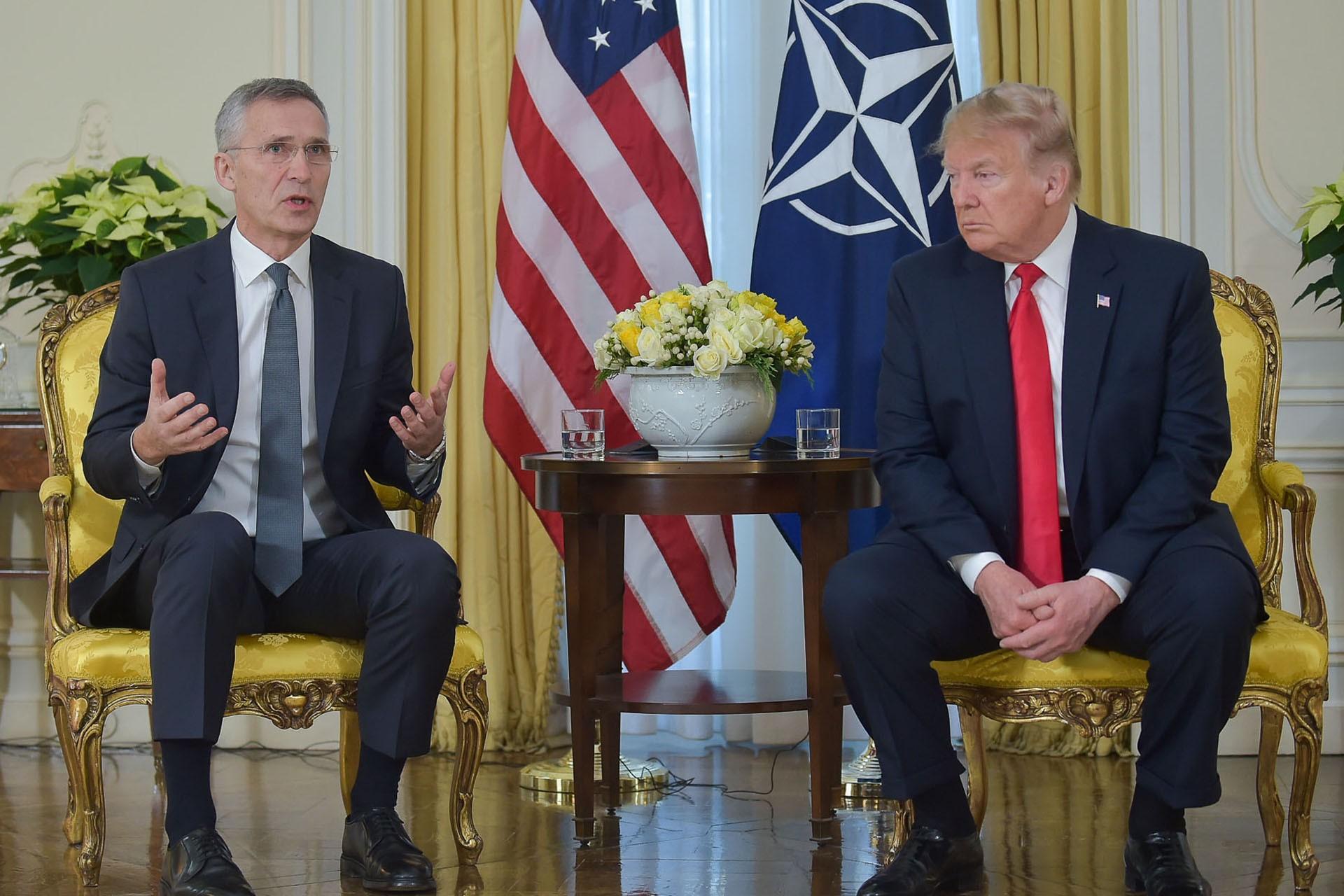 NATO Genel Sekreteri Jens Stoltenberg ve ABD Başkanı Donald Trump basın toplantısı düzenliyor