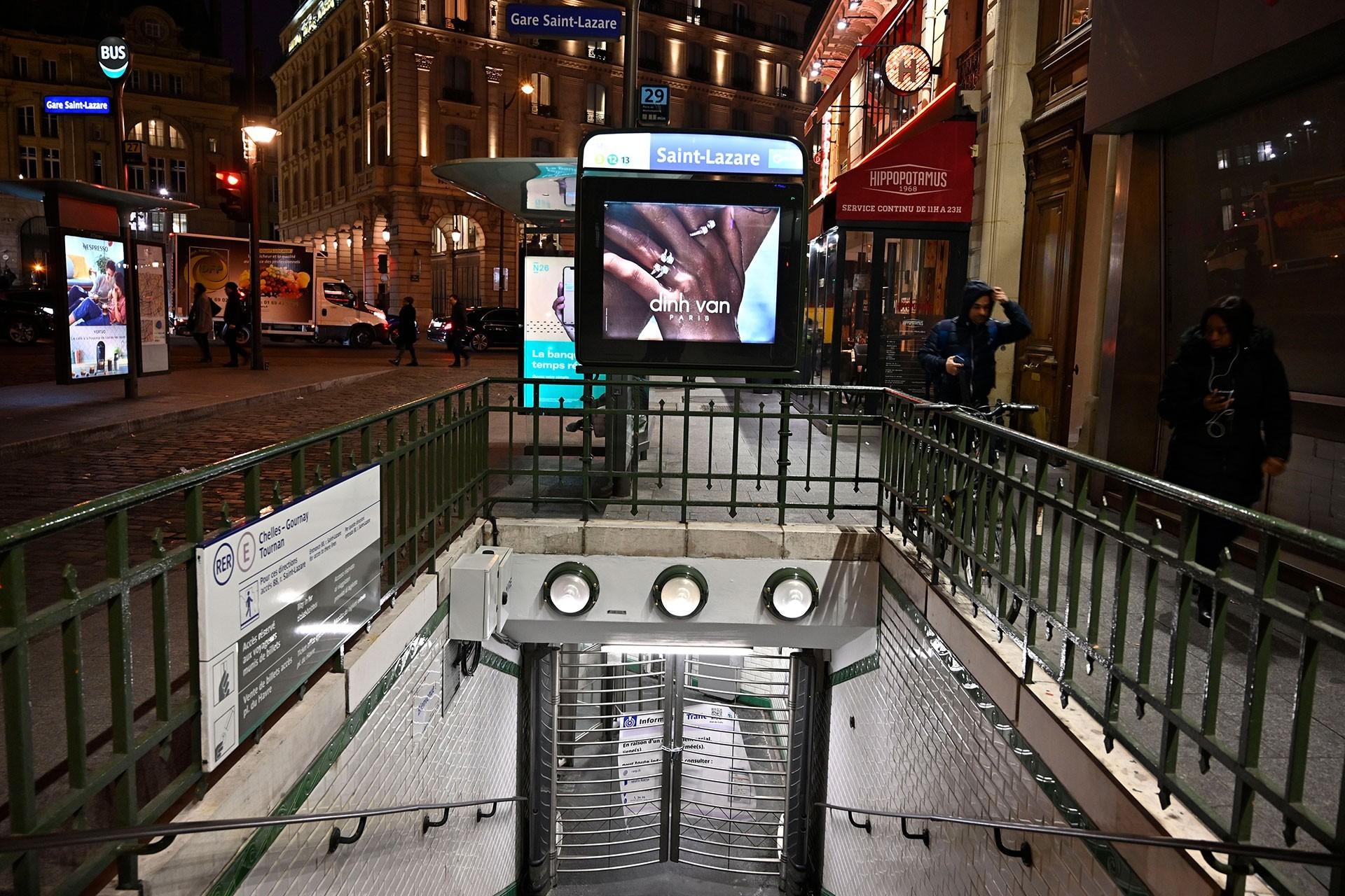 Fransa'da genel grev nedeniyle metro istasyonları boş