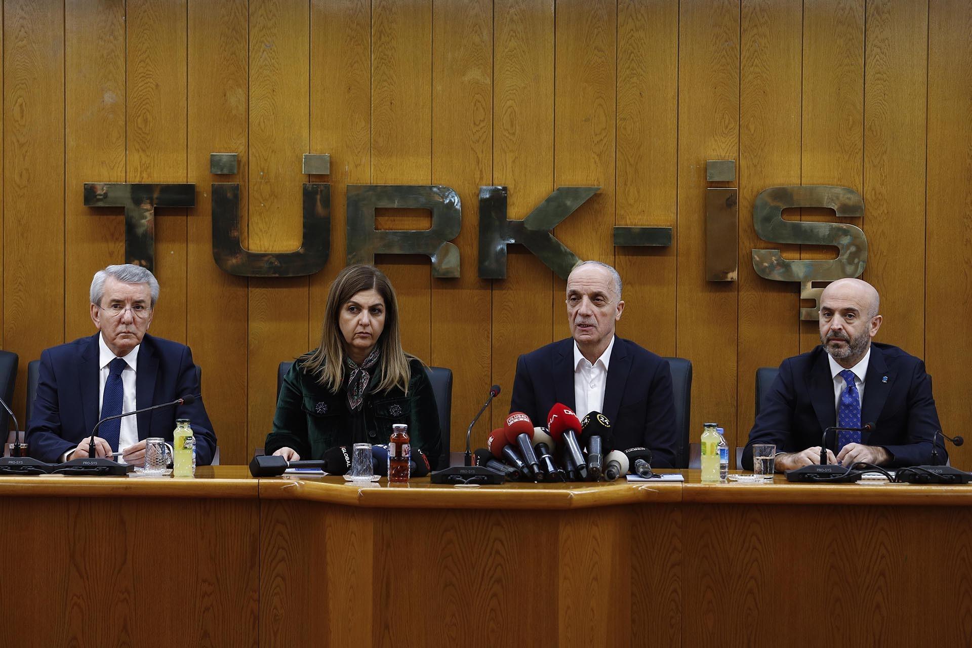 Asgari Ücret Tespit Komisyonu üyeleri
