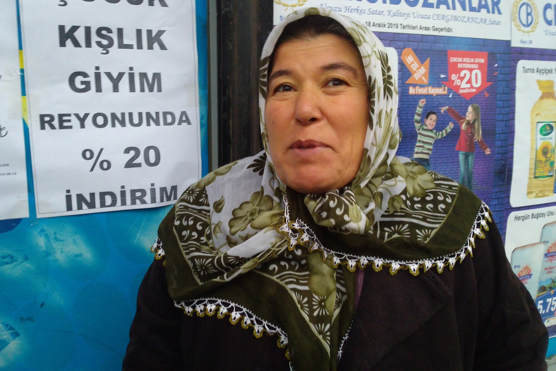 Antep'te asgari ücret görüşü veren kadın