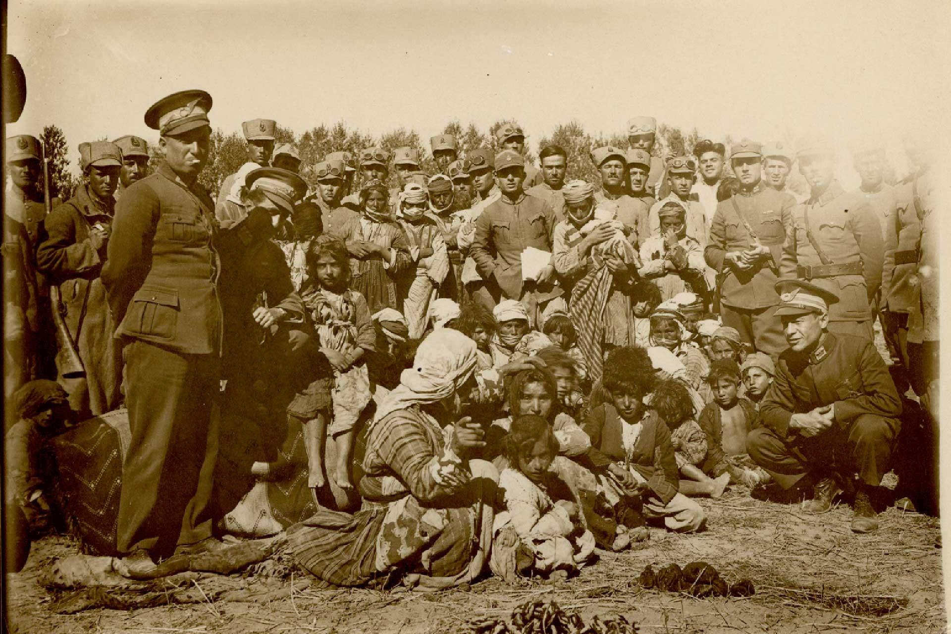 1937 tarihli fotoğraf için,