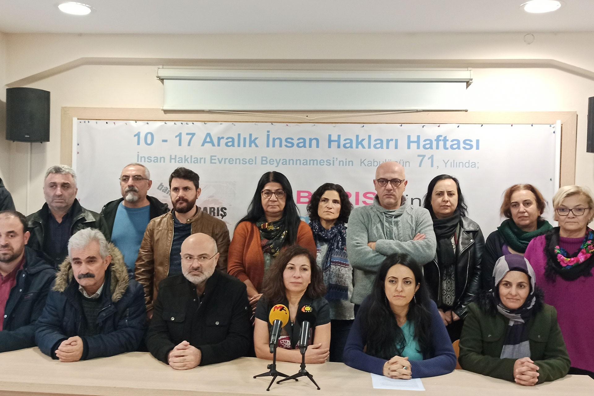HDP İstanbul İl Örgütü üyeleri
