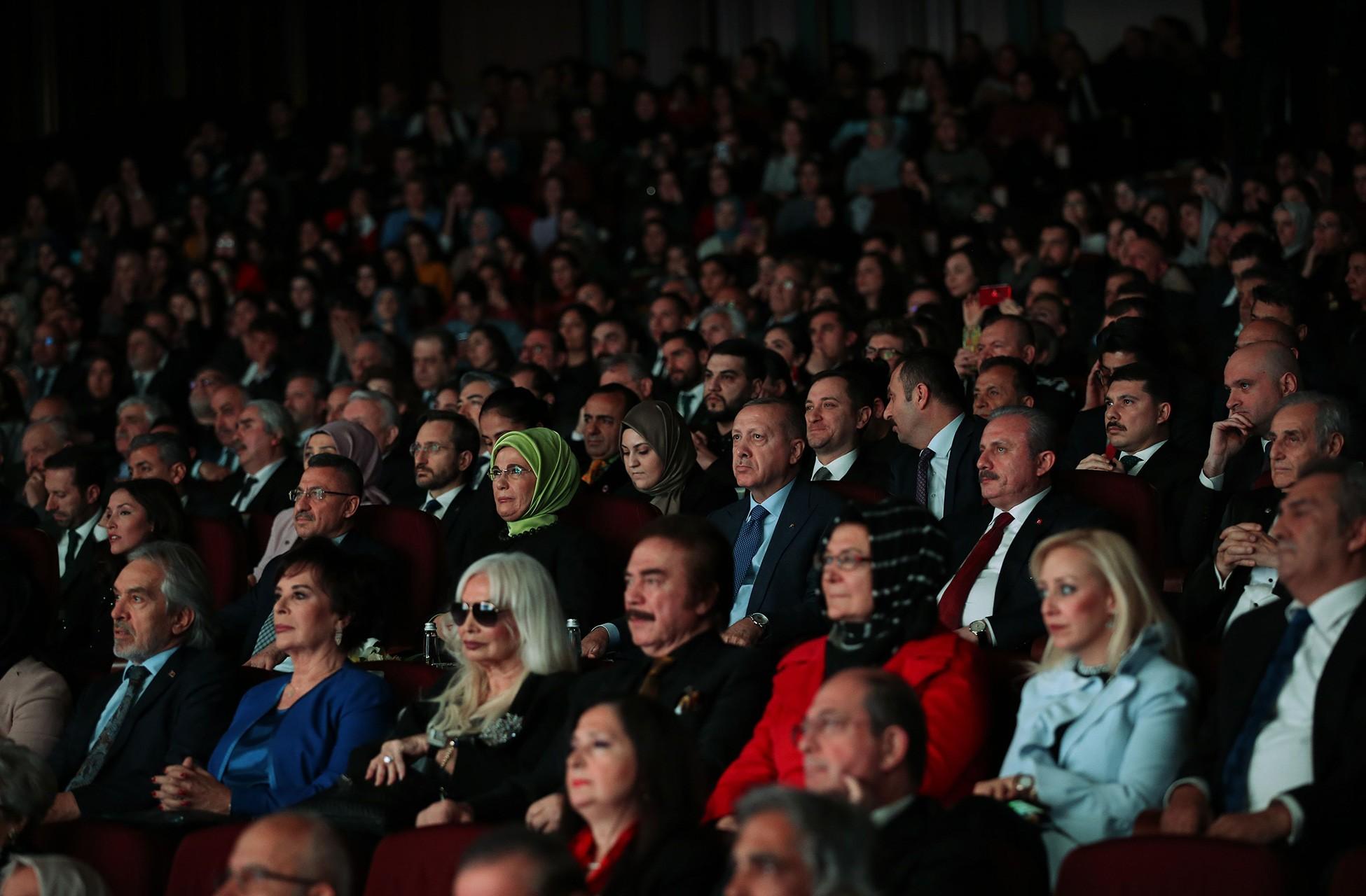 Cumhurbaşkanlığı sarayında düzenlenen ödül törenine katılan konuklar.