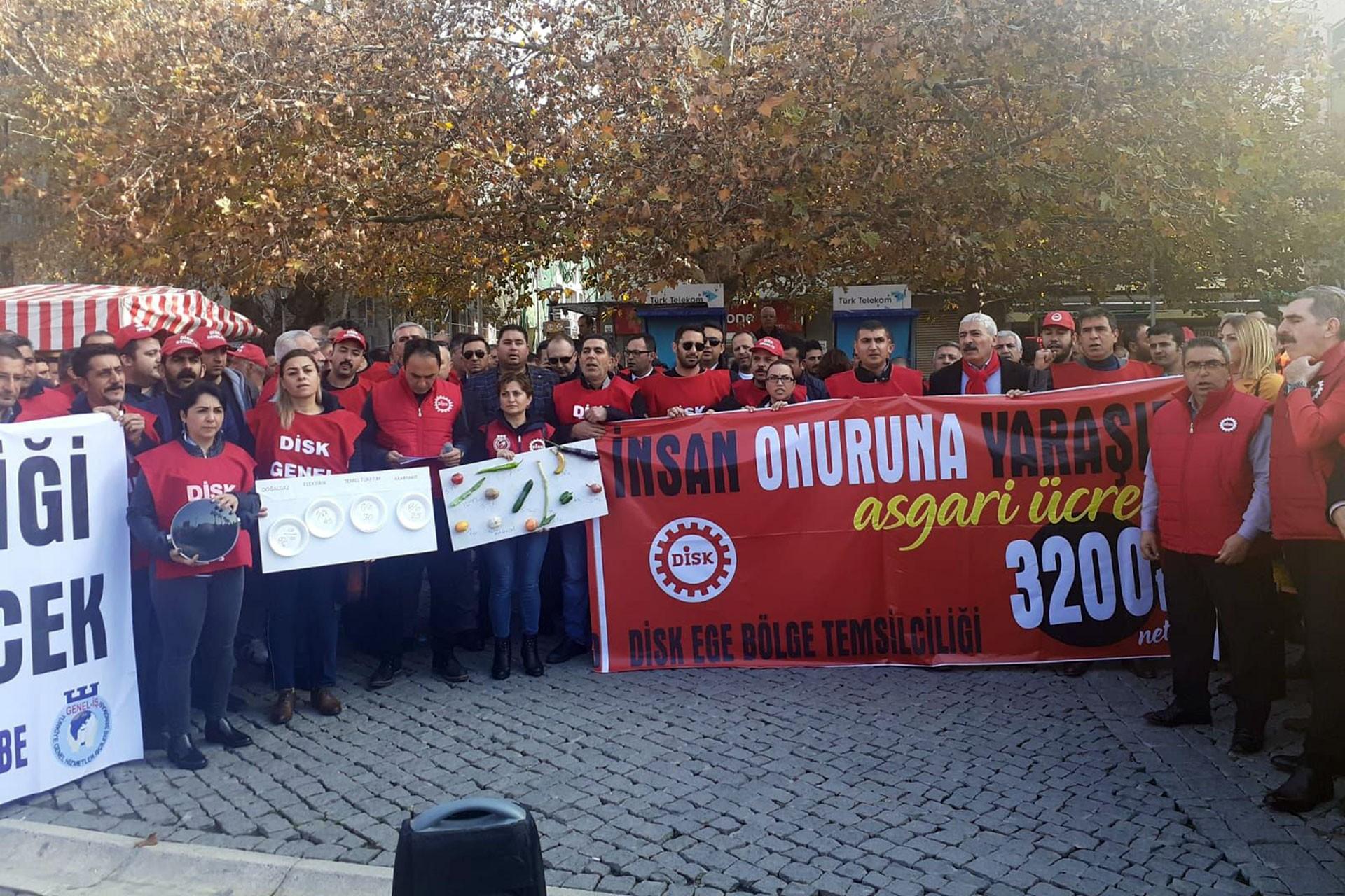 DİSK'in İzmir'deki asgari ücret açıklaması
