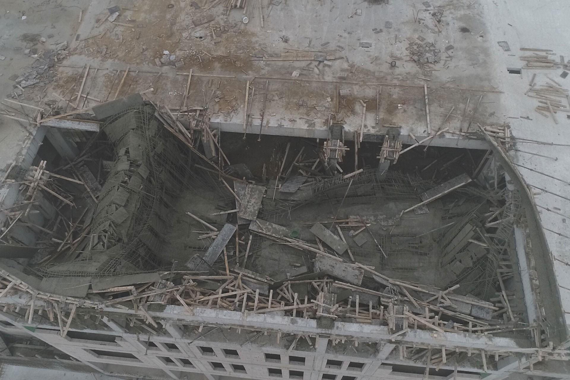 Ankara'da okul inşaatının çöken iskelesi