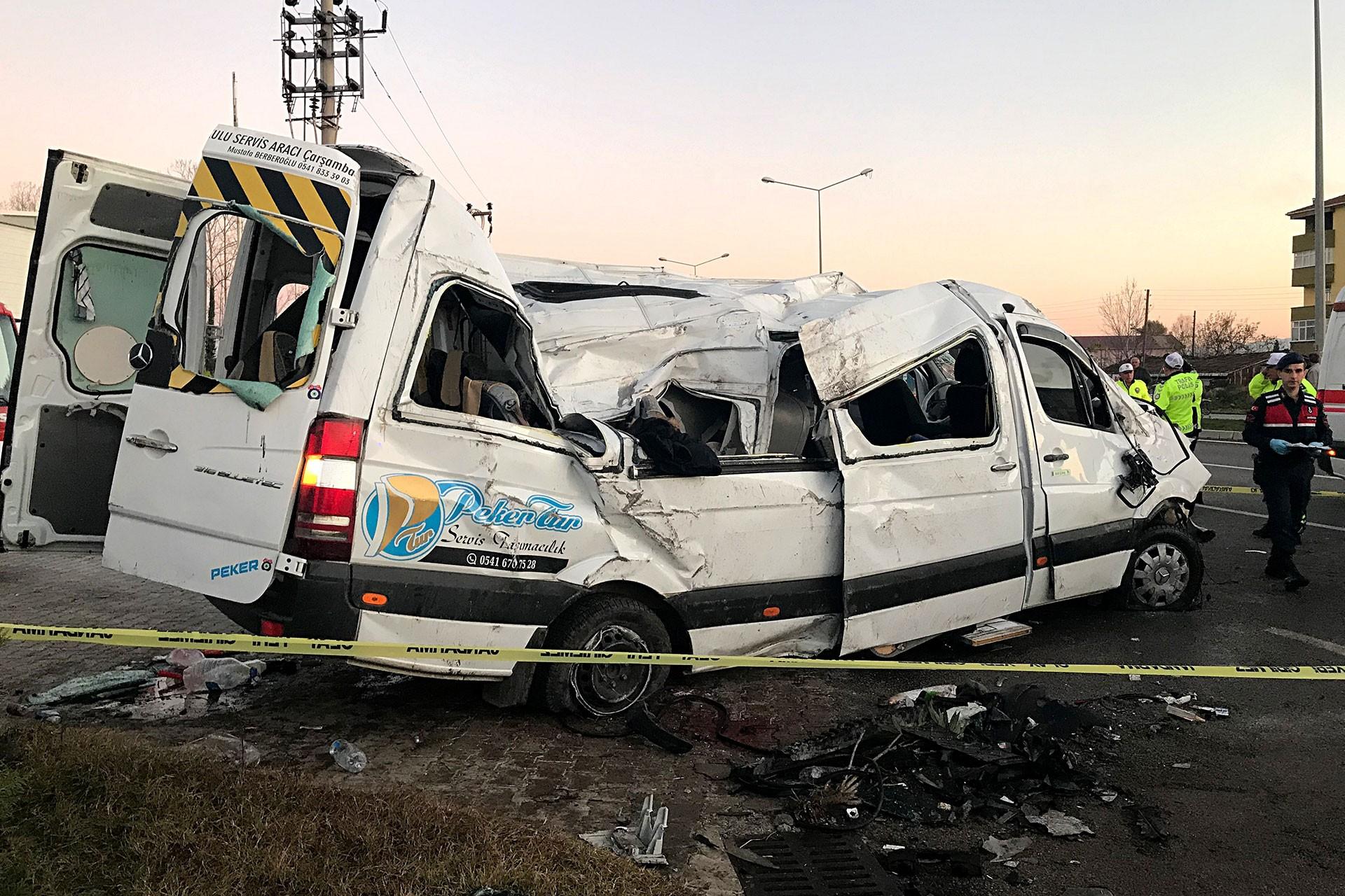 Samsun'da kaza yapan öğrenci servisi