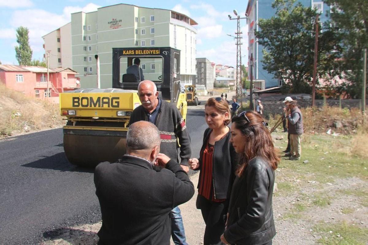 Şevin Alaca belediye çalışmalarını denetliyor.
