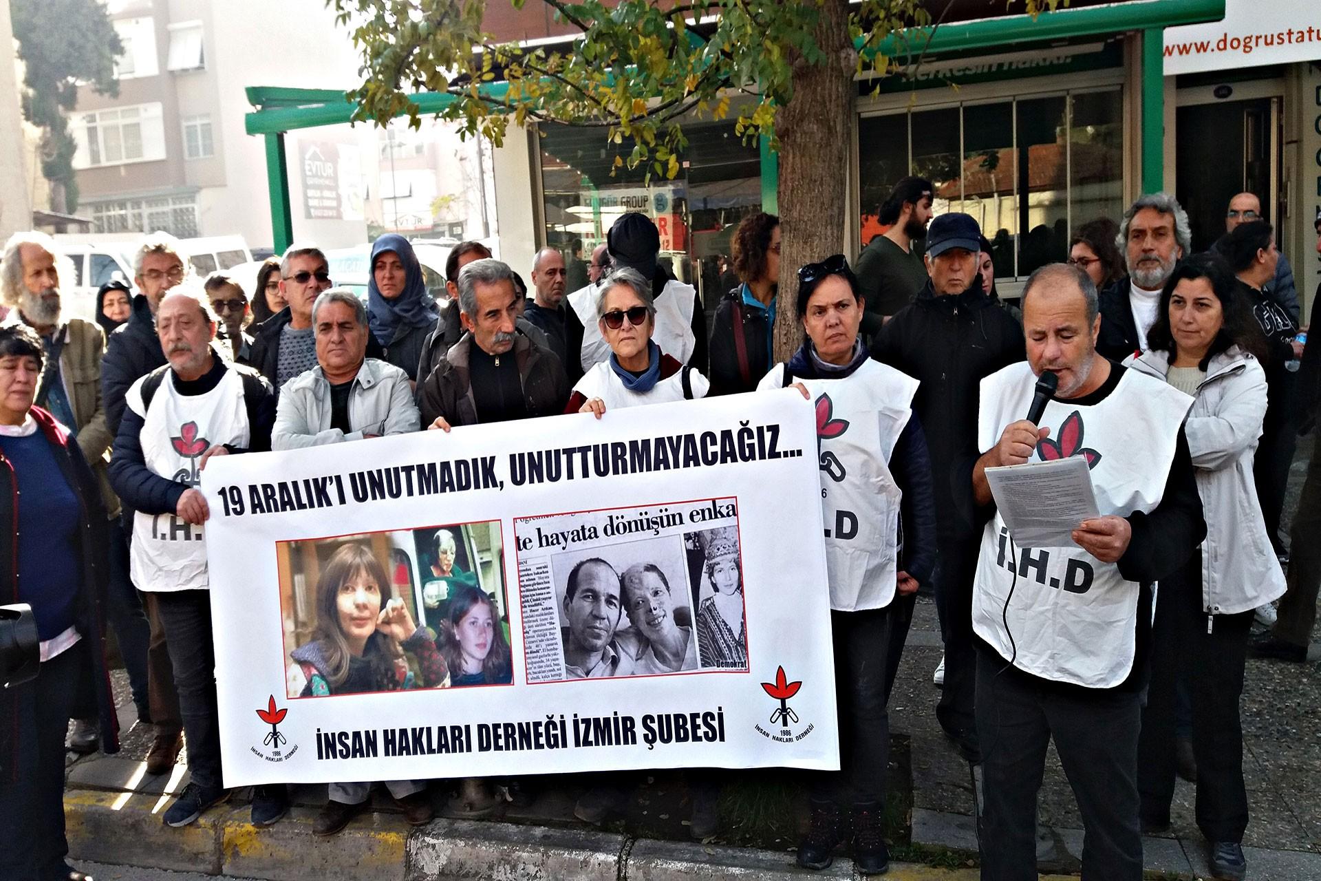 İHD İzmir Şubesi basın açıklaması yaptı