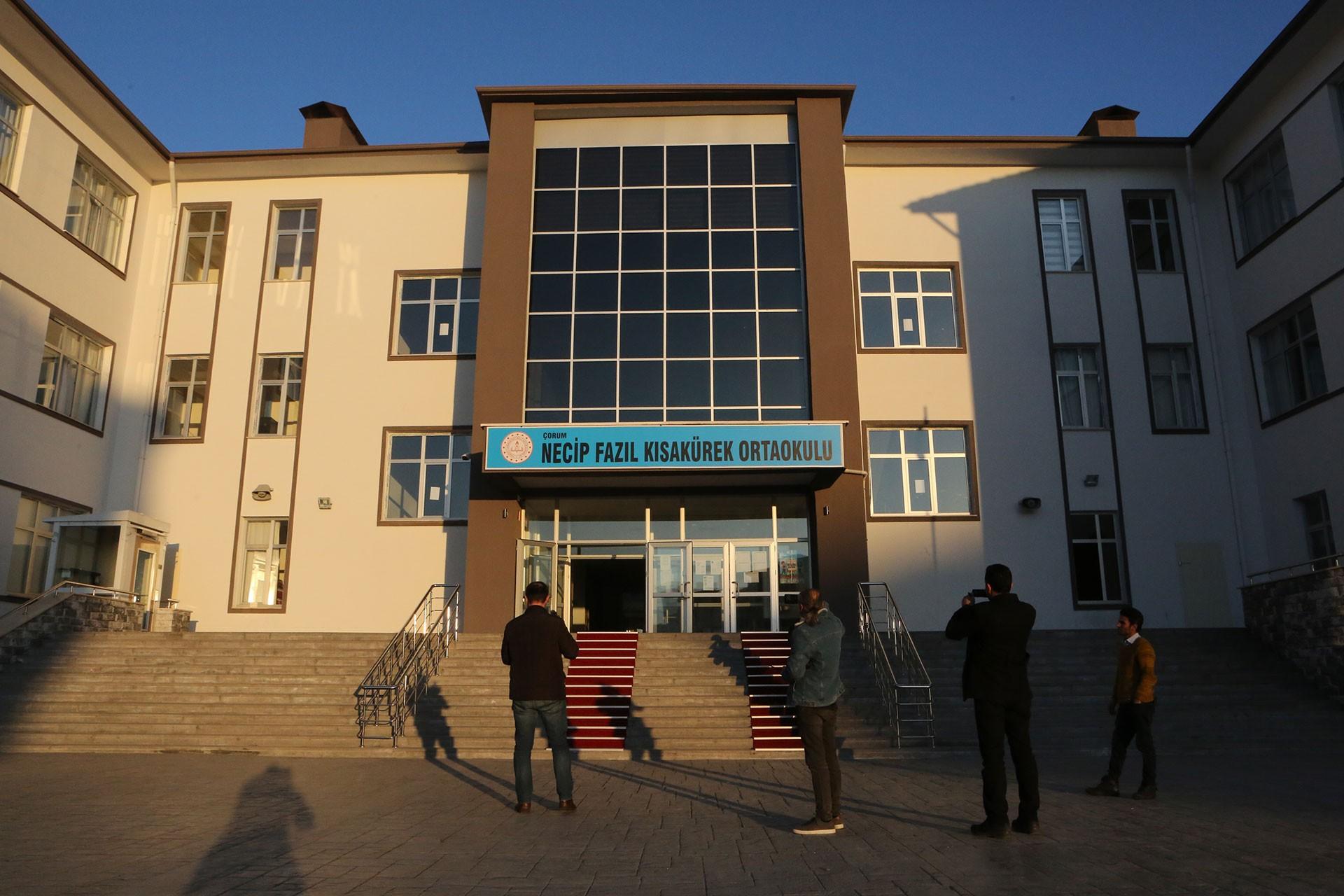 Çorum'da Necip Fazıl Kısakürek Ortaokulu binası