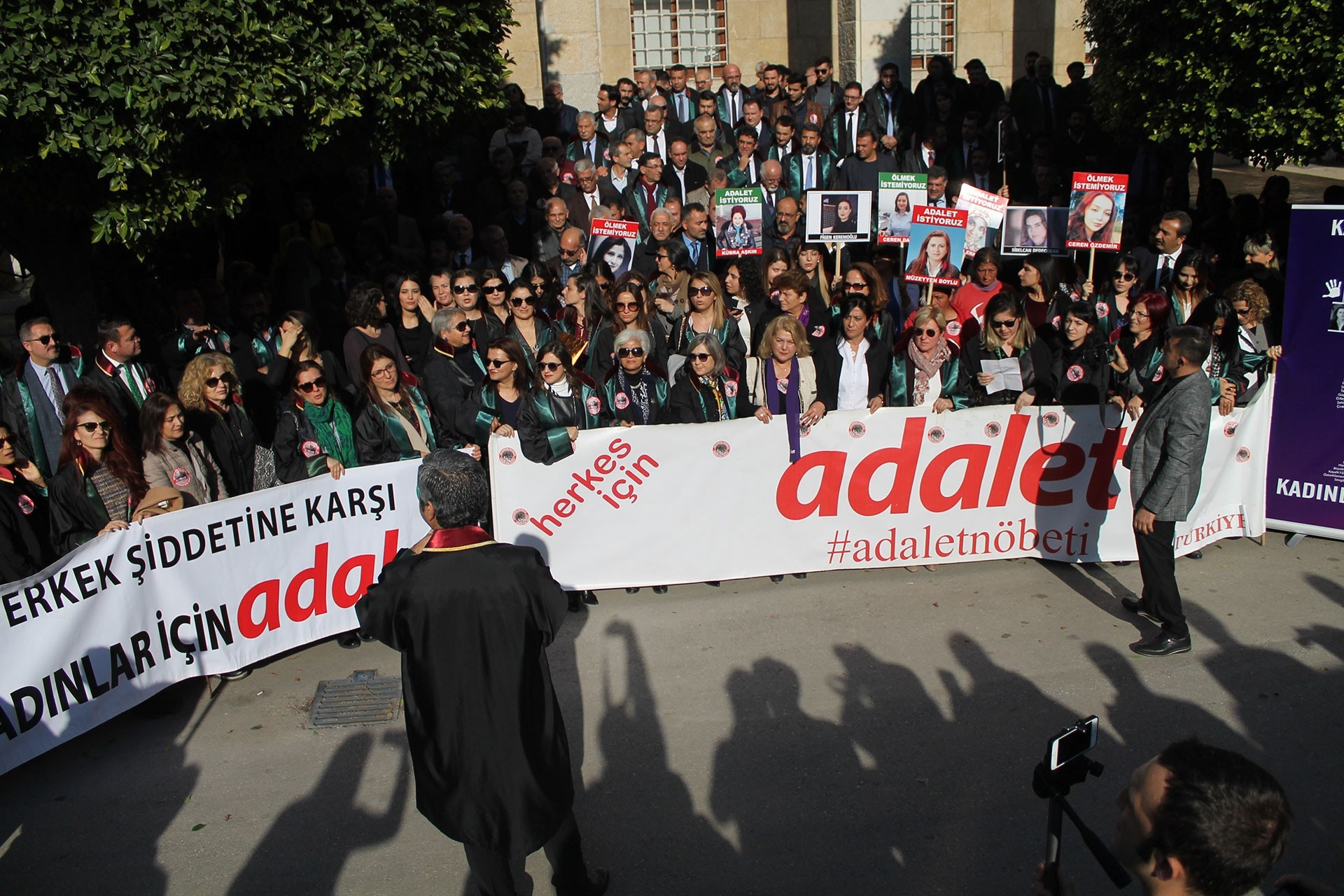 Adana'da yapılan Adalet Nöbeti