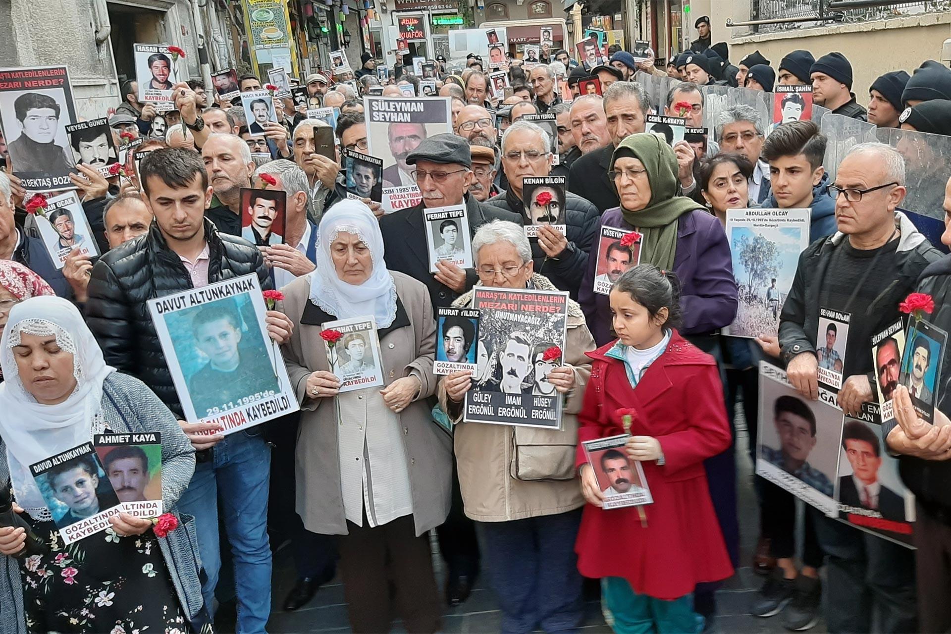 Adalet talebiyle toplanan Cumartesi Anneleri