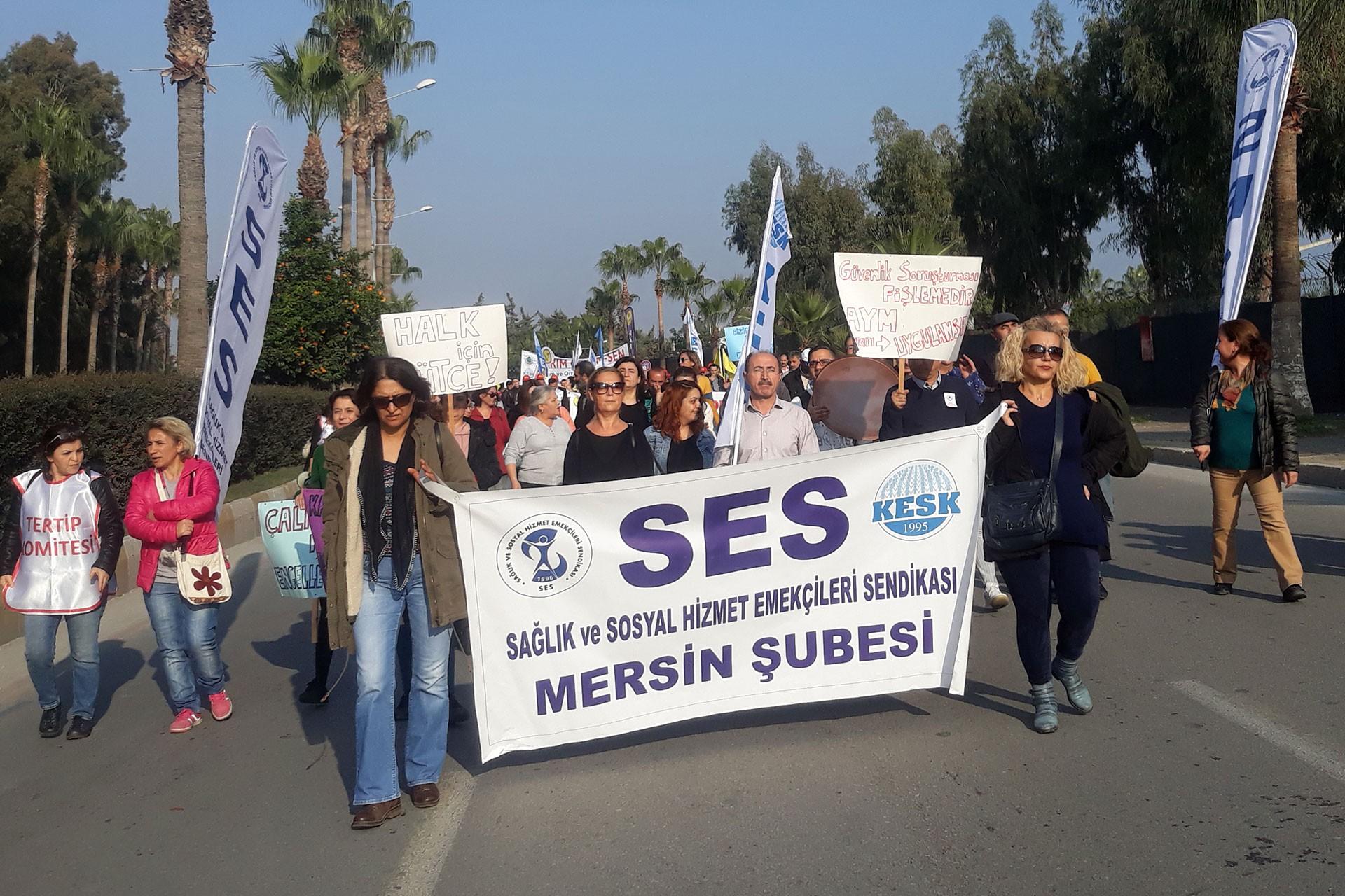 """Mersin'deki """"Demokratik Türkiye, halk için bütçe"""" mitingi"""
