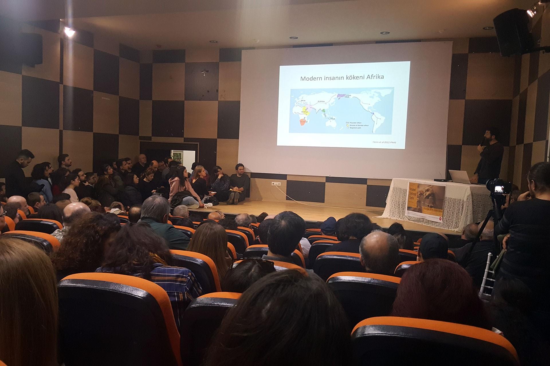 Samsun'da düzenlenen evrim paneli