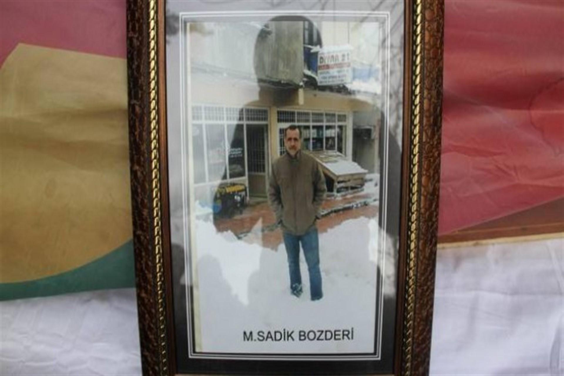 Sadık Bozeri'nin çerçeveli fotoğrafı