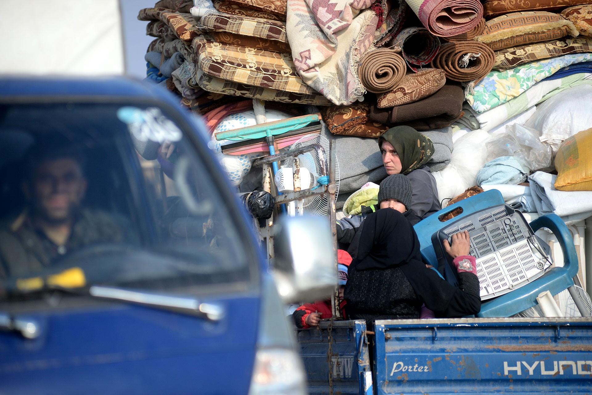 İdlib'ten kaçan Suriyeliler