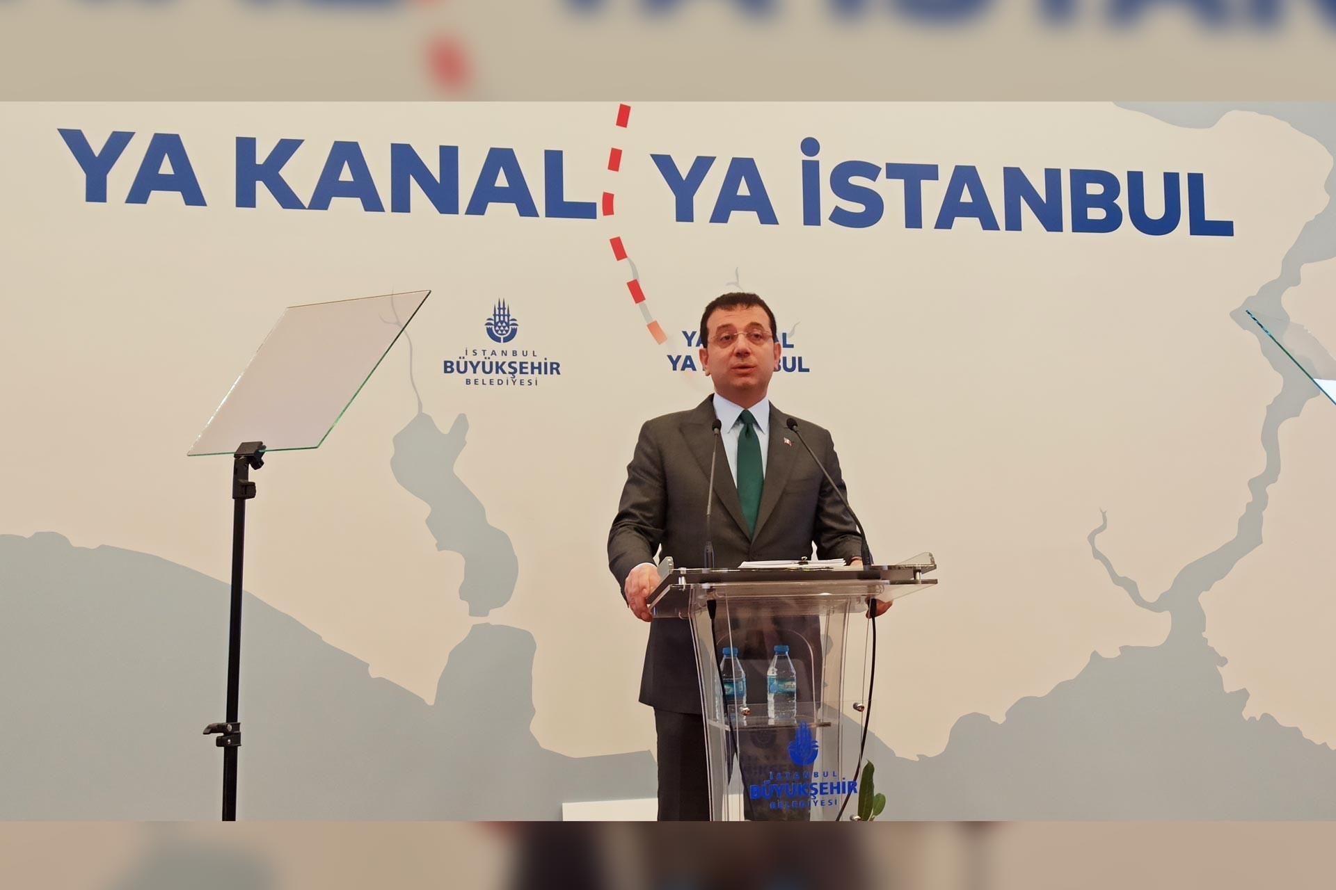 İBB Başkanı Ekrem İmamoğlu, 'Ya kanal ya istanbul' başlıklı basın toplantısında konuşurken
