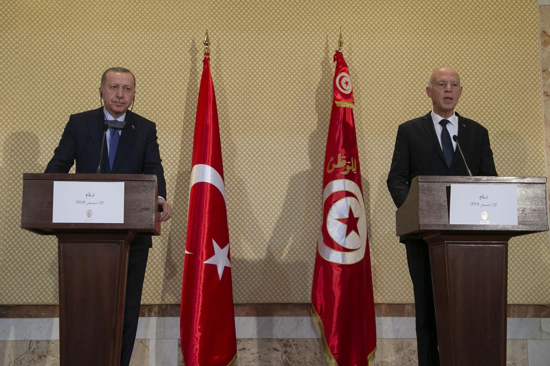 Recep Tayyip Erdoğan (solda) ve Kays Said (sağda)