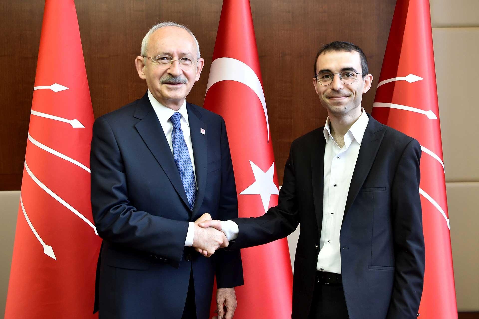 Kemal Kılıçdaroğlu ve muhabirimiz Birkan Bulut yan yana