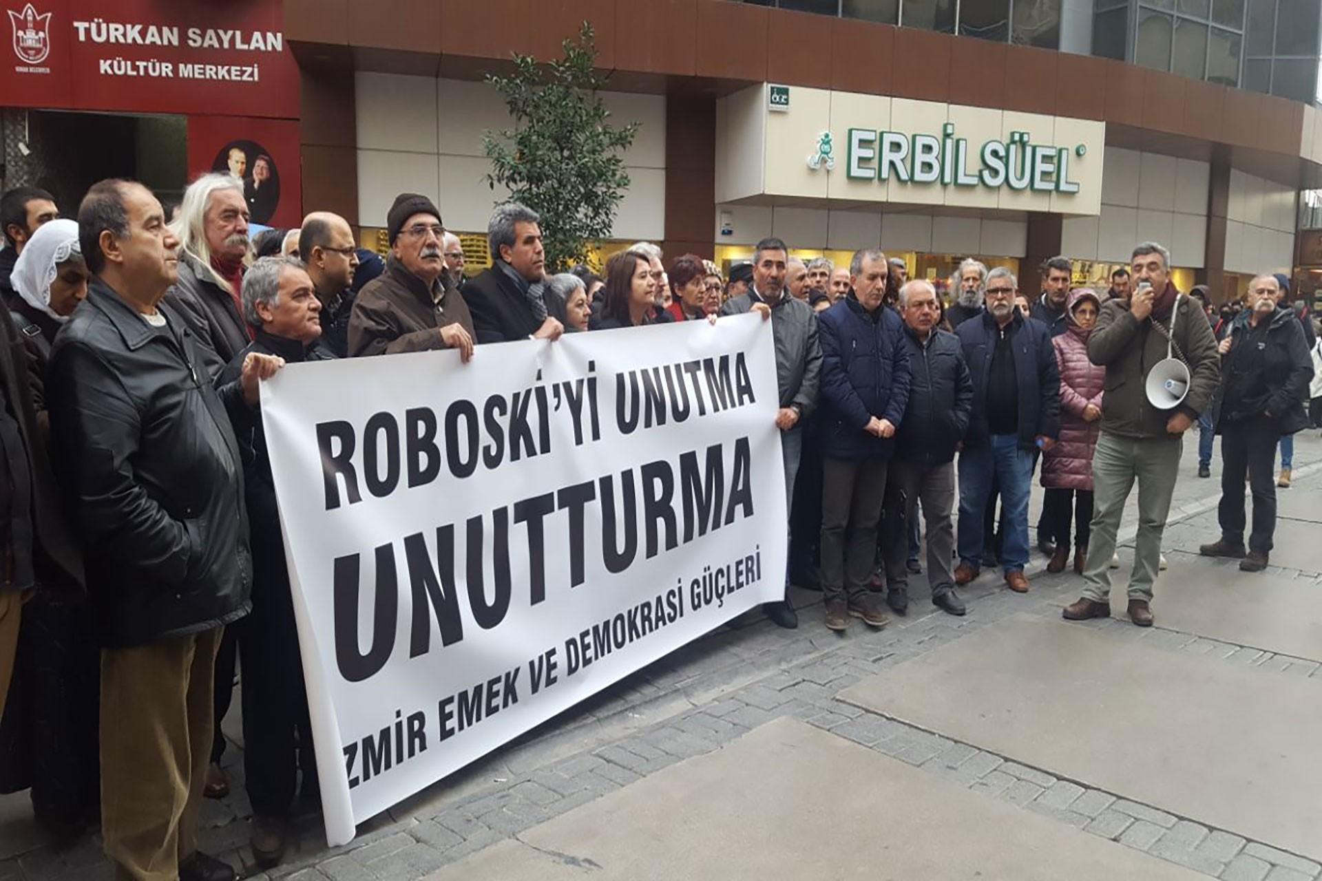İzmir emek ve demokrasi güçleri Robosi'yi andı.