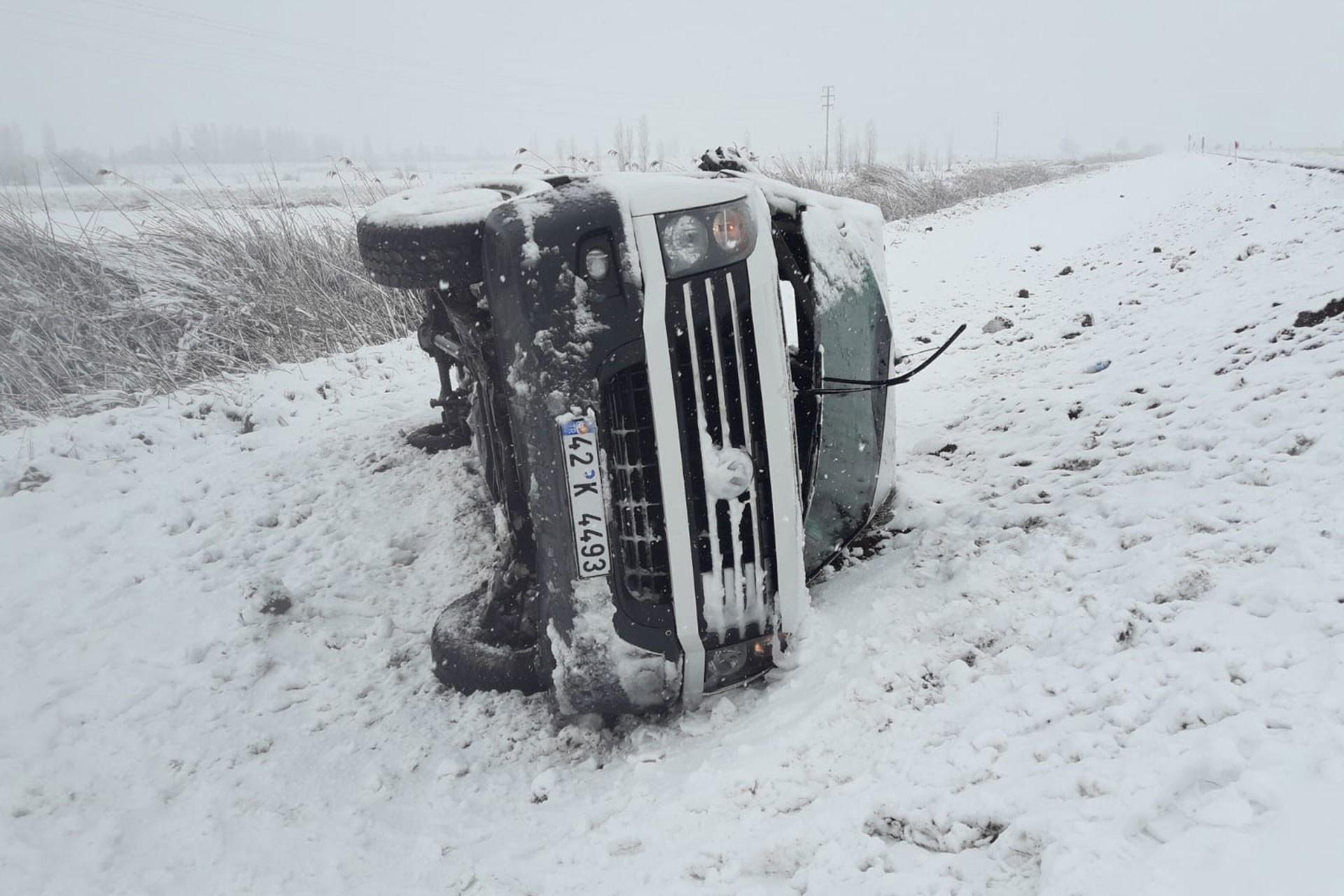 Seydişehir'de kaza yapan servis aracı