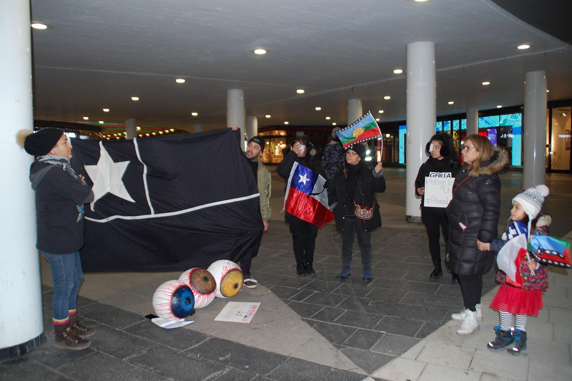 Stockholm'de Şilililerin eylemi