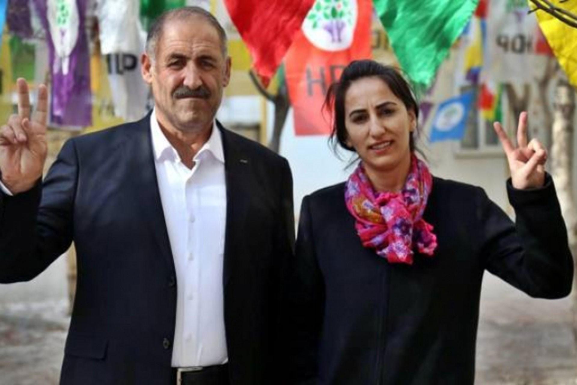Muradiye Belediyesi Eş Başkanları Yılmaz Şalan (solda) ve Leyla Balkan (sağda)