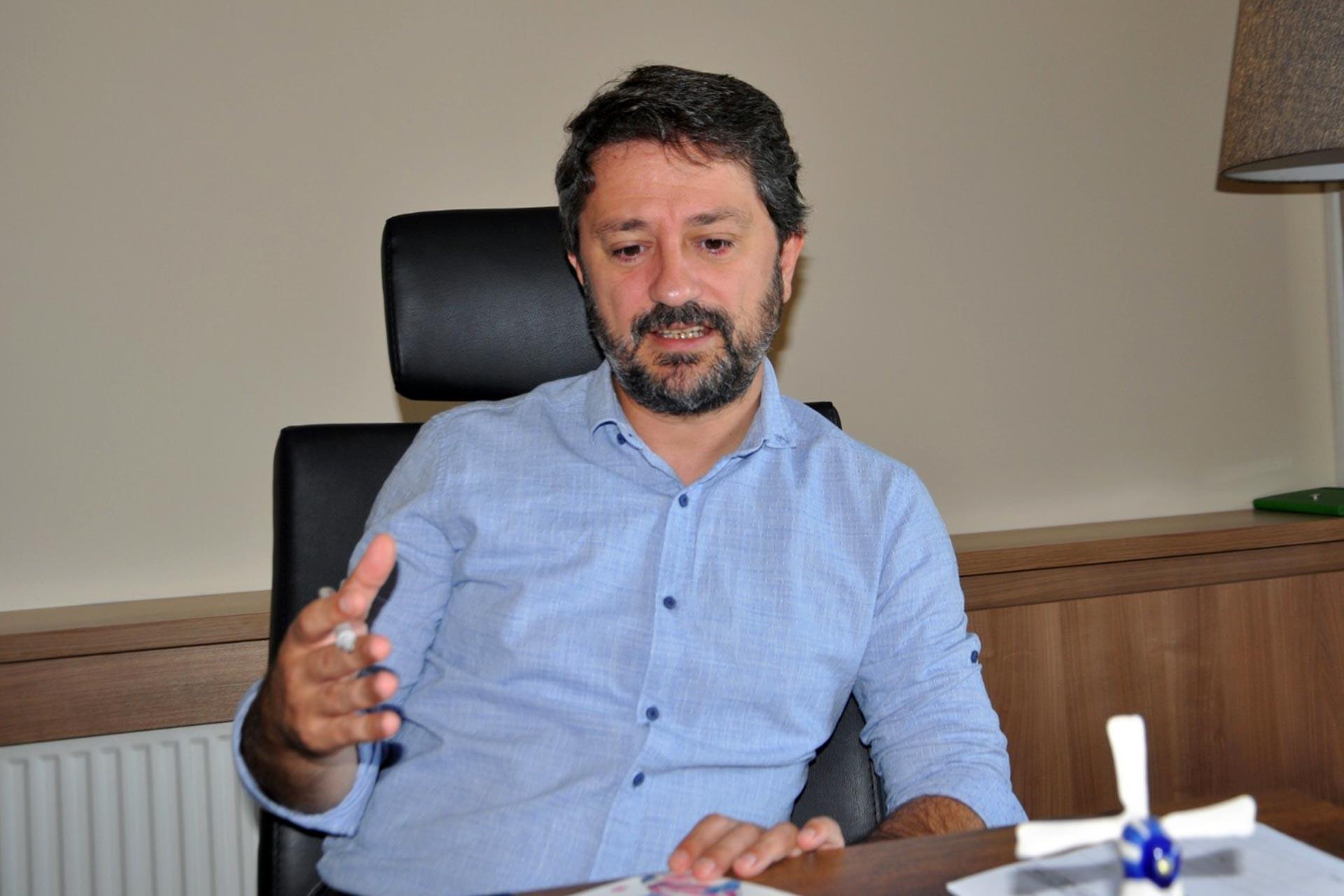 Akademisyen Erhan Keleşoğlu