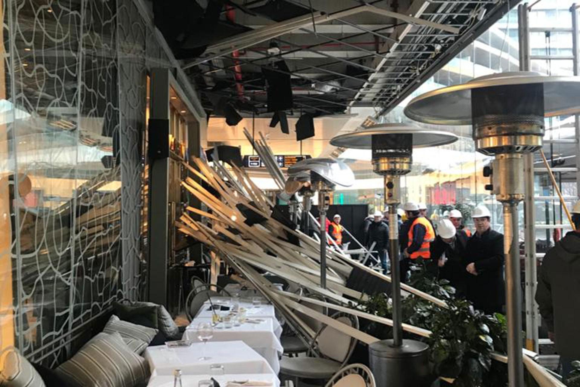 Zorlu Center AVM'de çöken asma tavan
