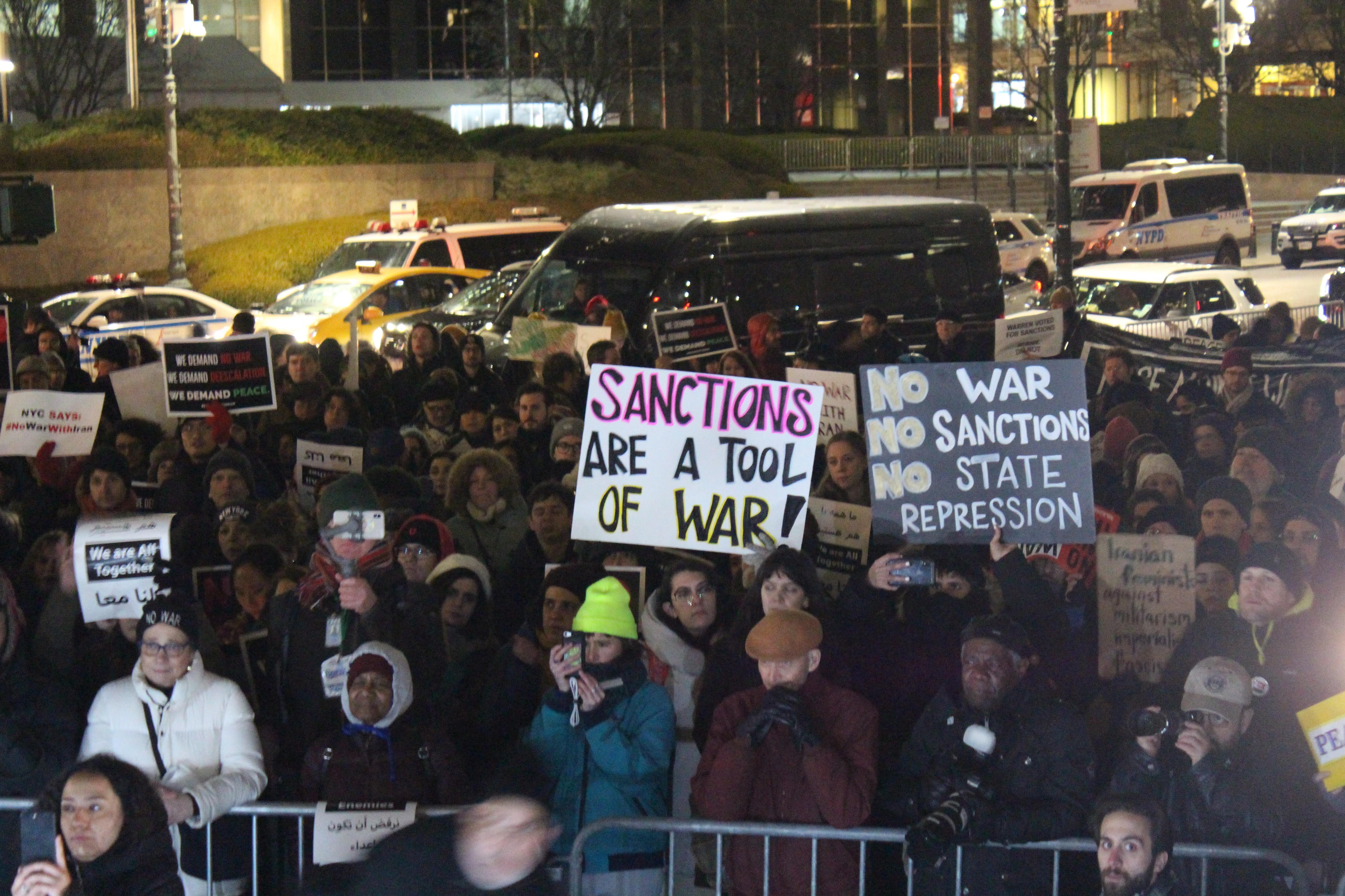 """ABD'de düzenlenen """"İran'la savaşa hayır"""" eylemi"""