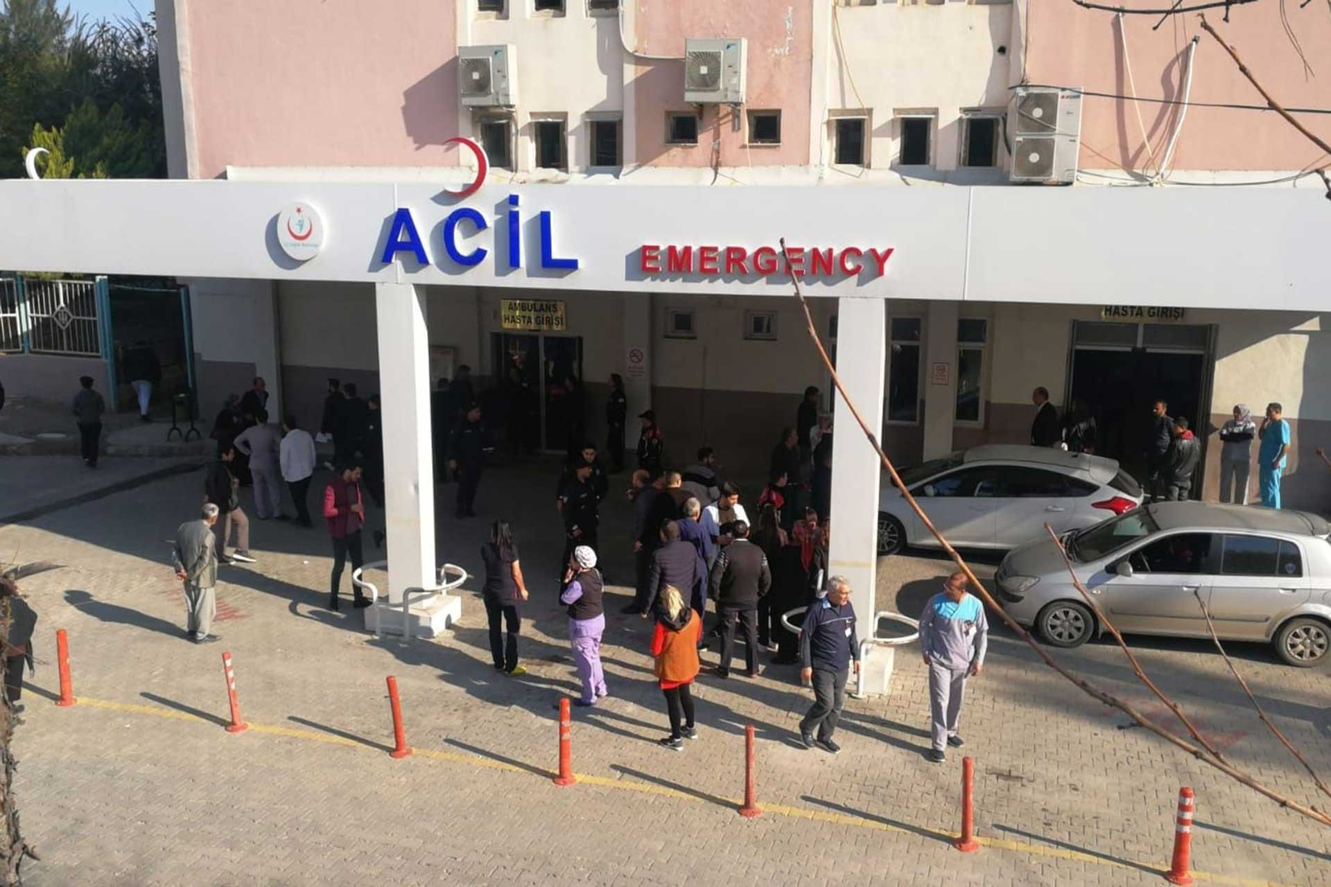 Mersin Devlet Hastanesi Acil Girişi