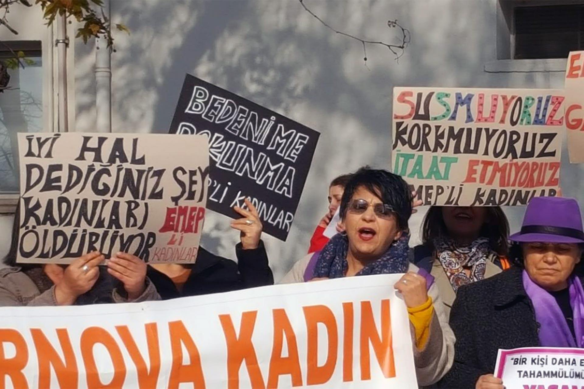 Habibe Çevik ve Fatma Akta cinayeti davası öncesi açıklama yapan kadınlar