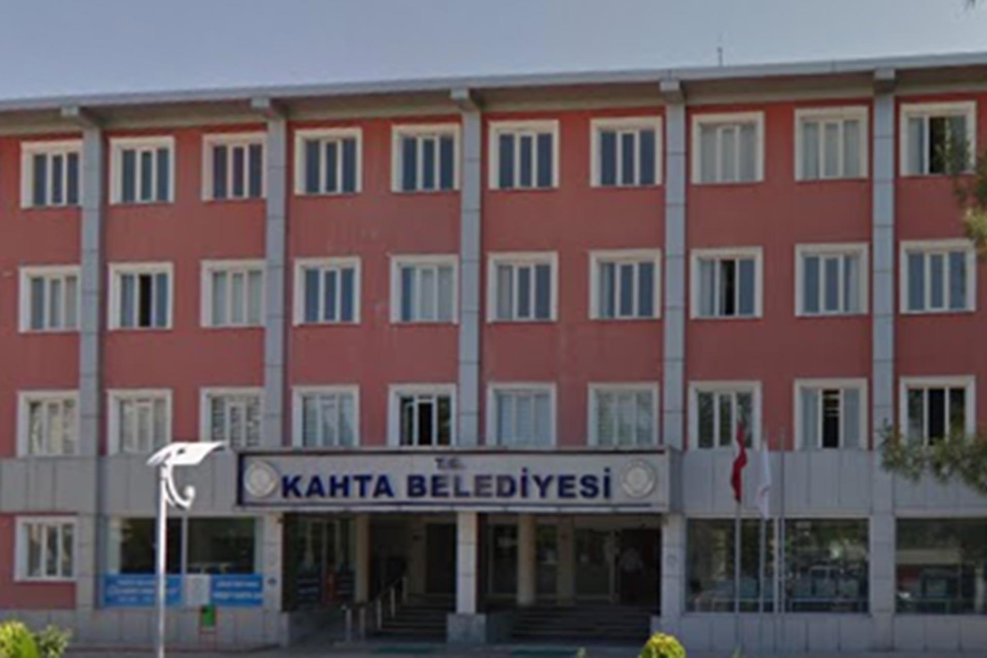 Kahta Belediye binası
